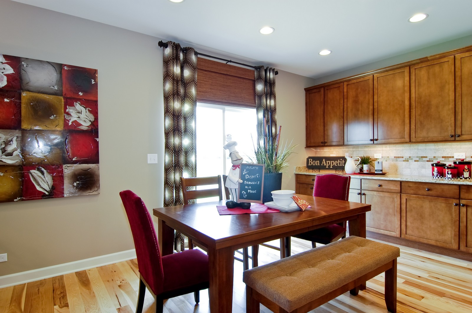 Real Estate Photography - 2648 Regency Court East, St Charles, IL, 60175 - Breakfast Nook