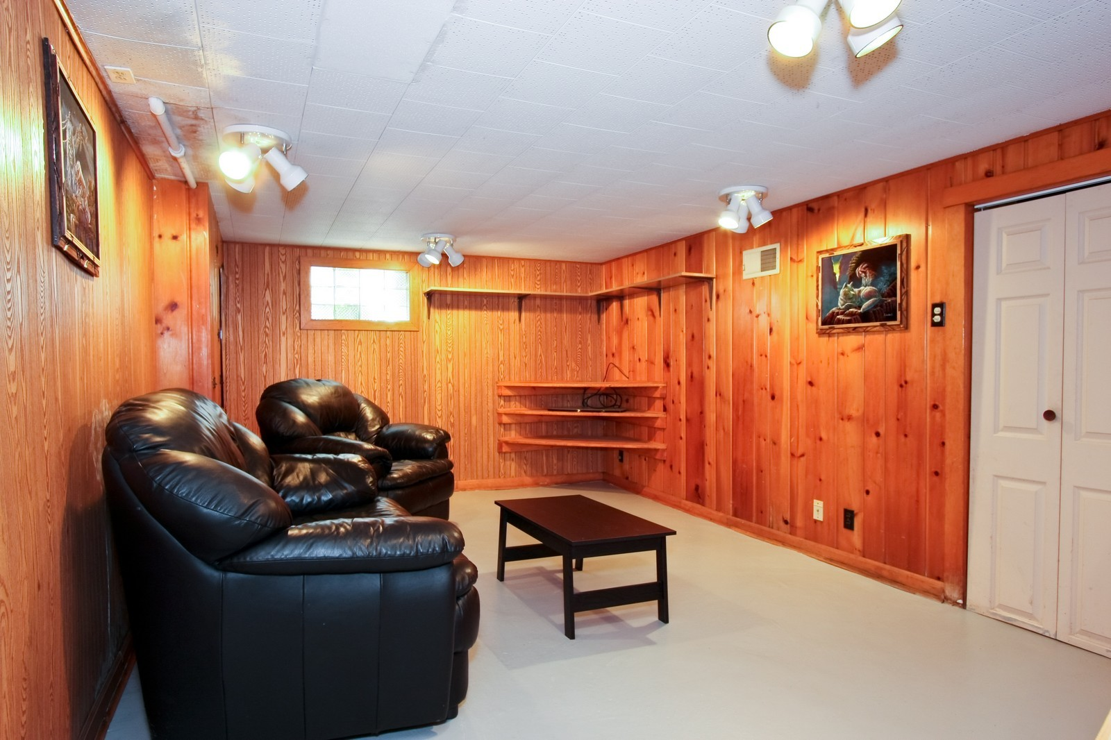 Real Estate Photography - 11468 S Homan, Chicago, IL, 60655 - Recreational Room