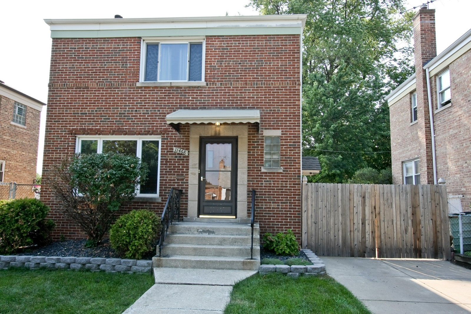 Real Estate Photography - 11468 S Homan, Chicago, IL, 60655 - Front View