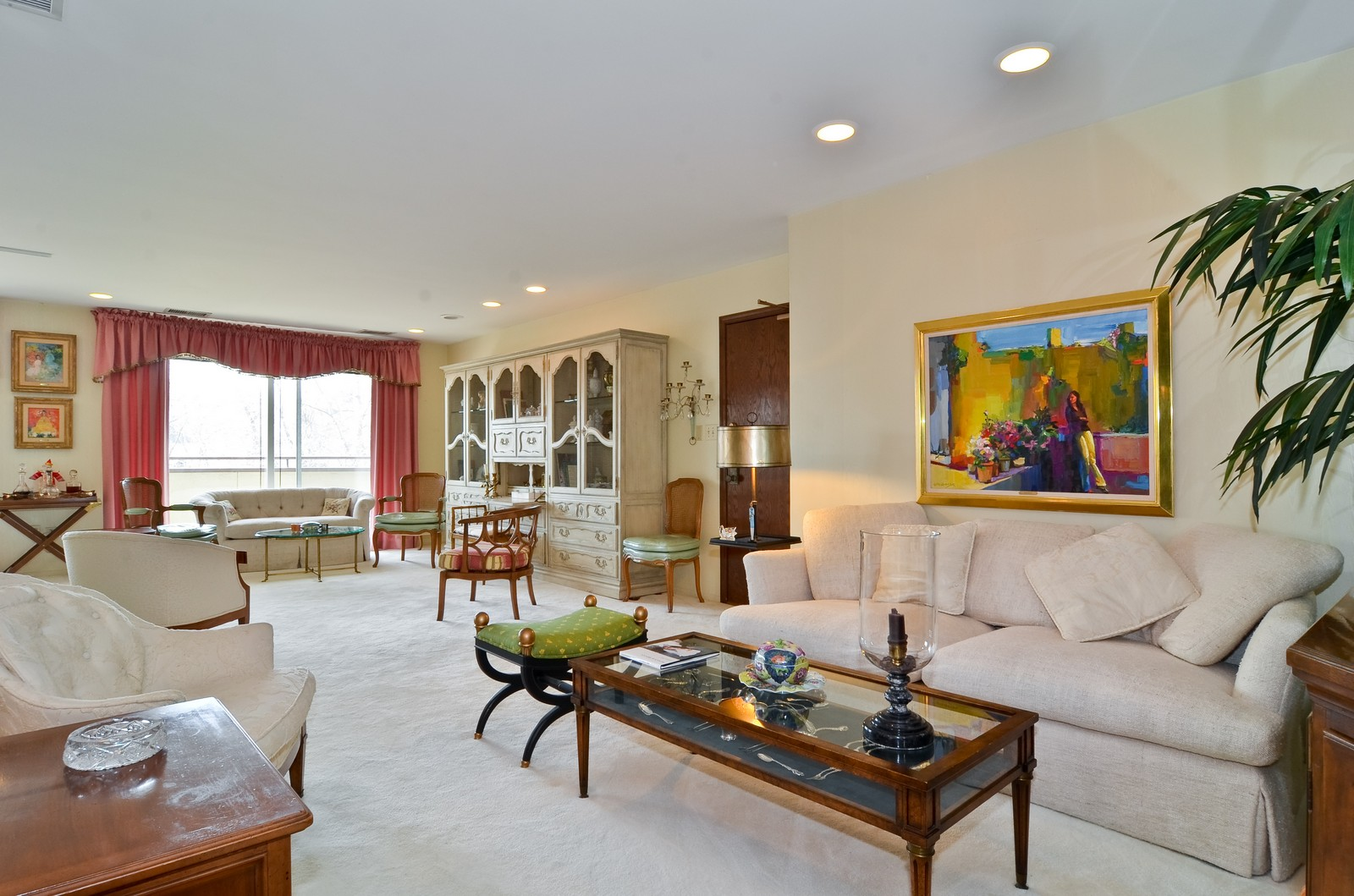 Real Estate Photography - 6450 Cicero, Unit 201, Lincolnwood, IL, 60712 - Living Room