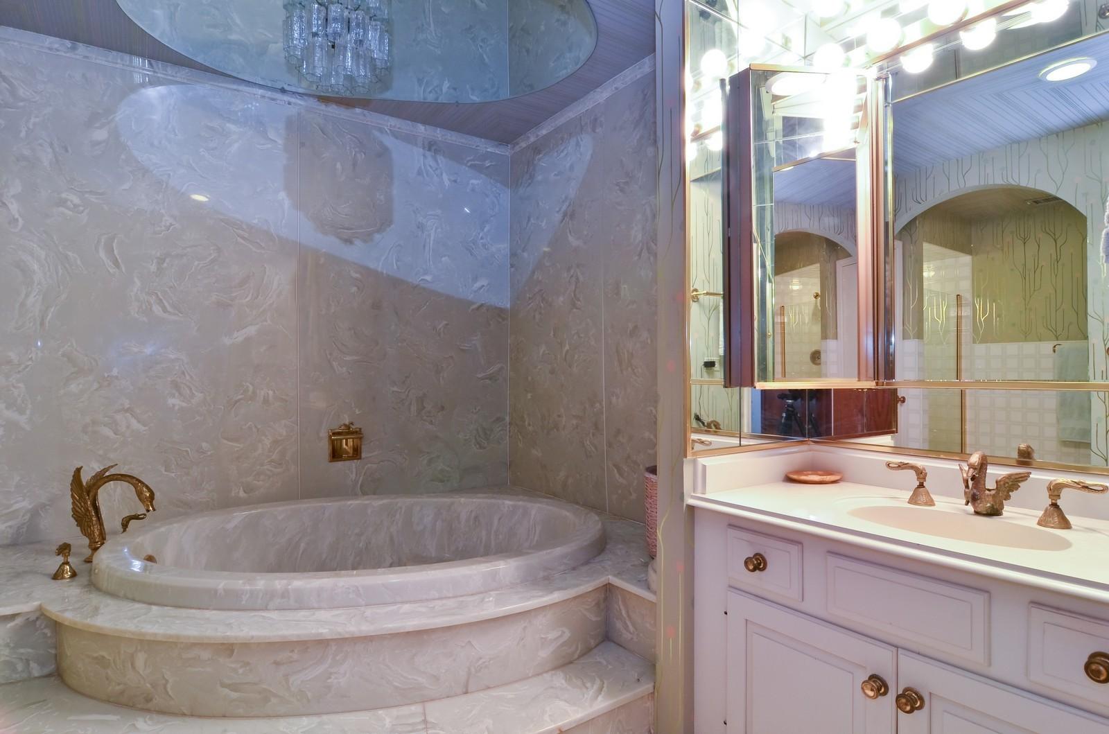 Real Estate Photography - 6450 Cicero, Unit 201, Lincolnwood, IL, 60712 - Master Bathroom
