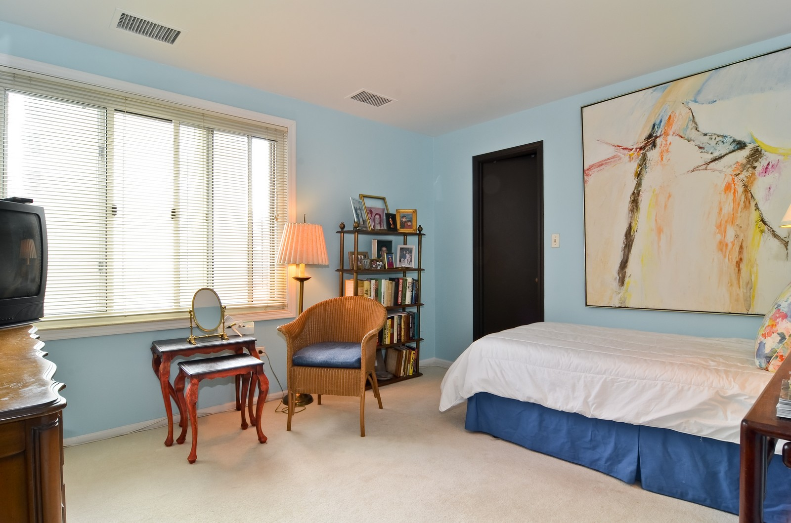 Real Estate Photography - 6450 Cicero, Unit 201, Lincolnwood, IL, 60712 - 2nd Bedroom