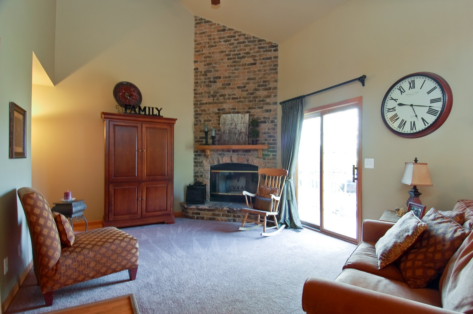 Real Estate Photography - 1109 Westfield Course, Geneva, IL, 60134 - Family Room