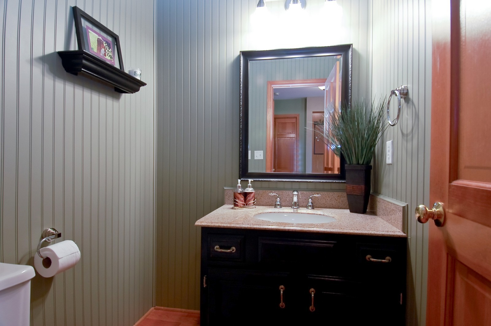 Real Estate Photography - 1109 Westfield Course, Geneva, IL, 60134 - Half Bath