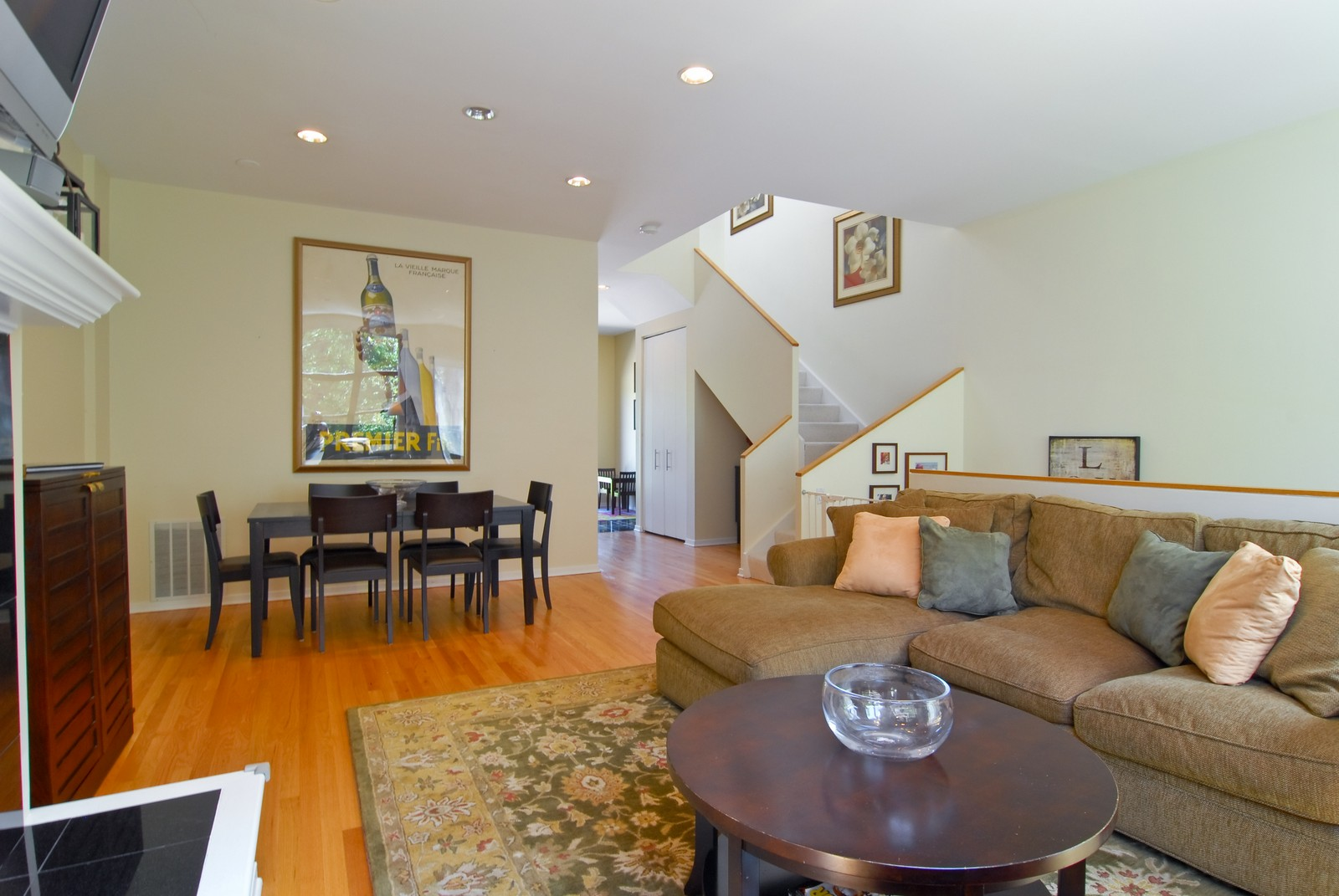 Real Estate Photography - 2501 N Wayne, Unit 17, Chicago, IL, 60614 - Living/Dining Room