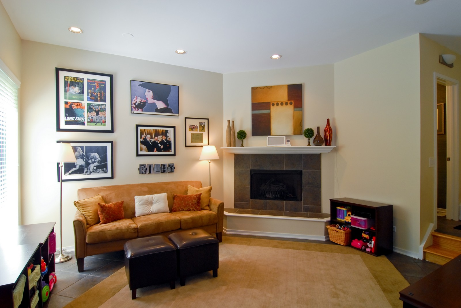 Real Estate Photography - 2501 N Wayne, Unit 17, Chicago, IL, 60614 - Family Room