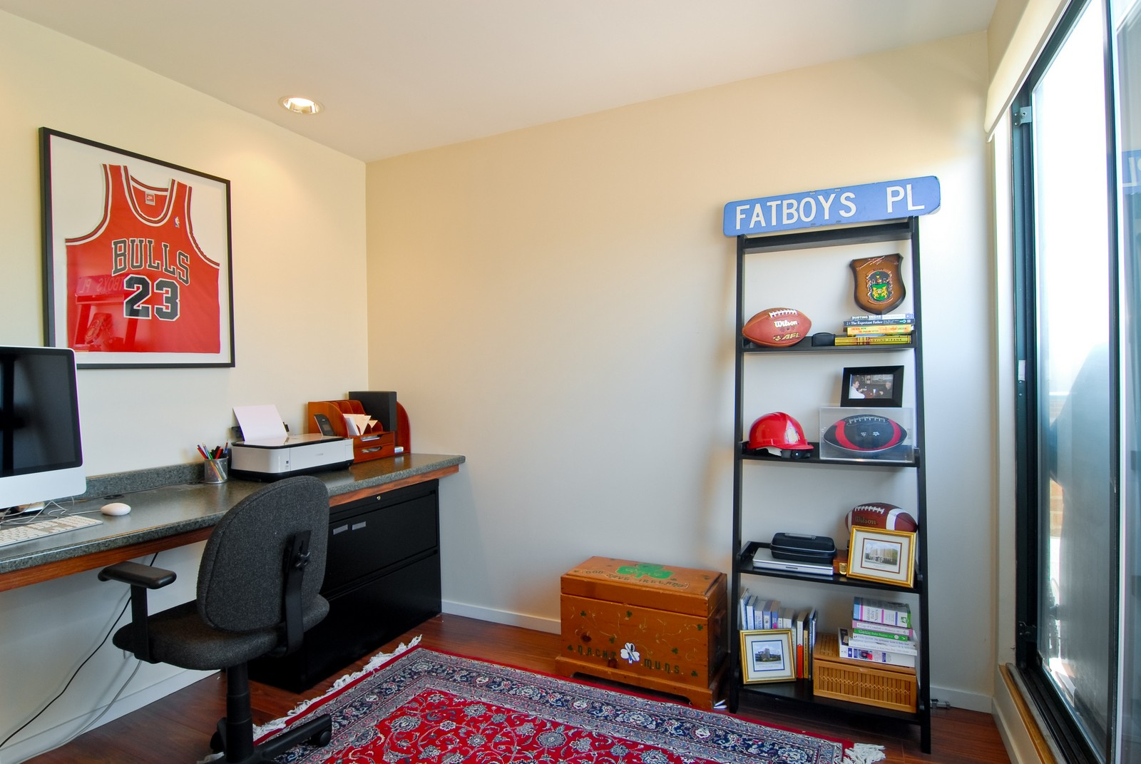 Real Estate Photography - 2501 N Wayne, Unit 17, Chicago, IL, 60614 - Den / Loft