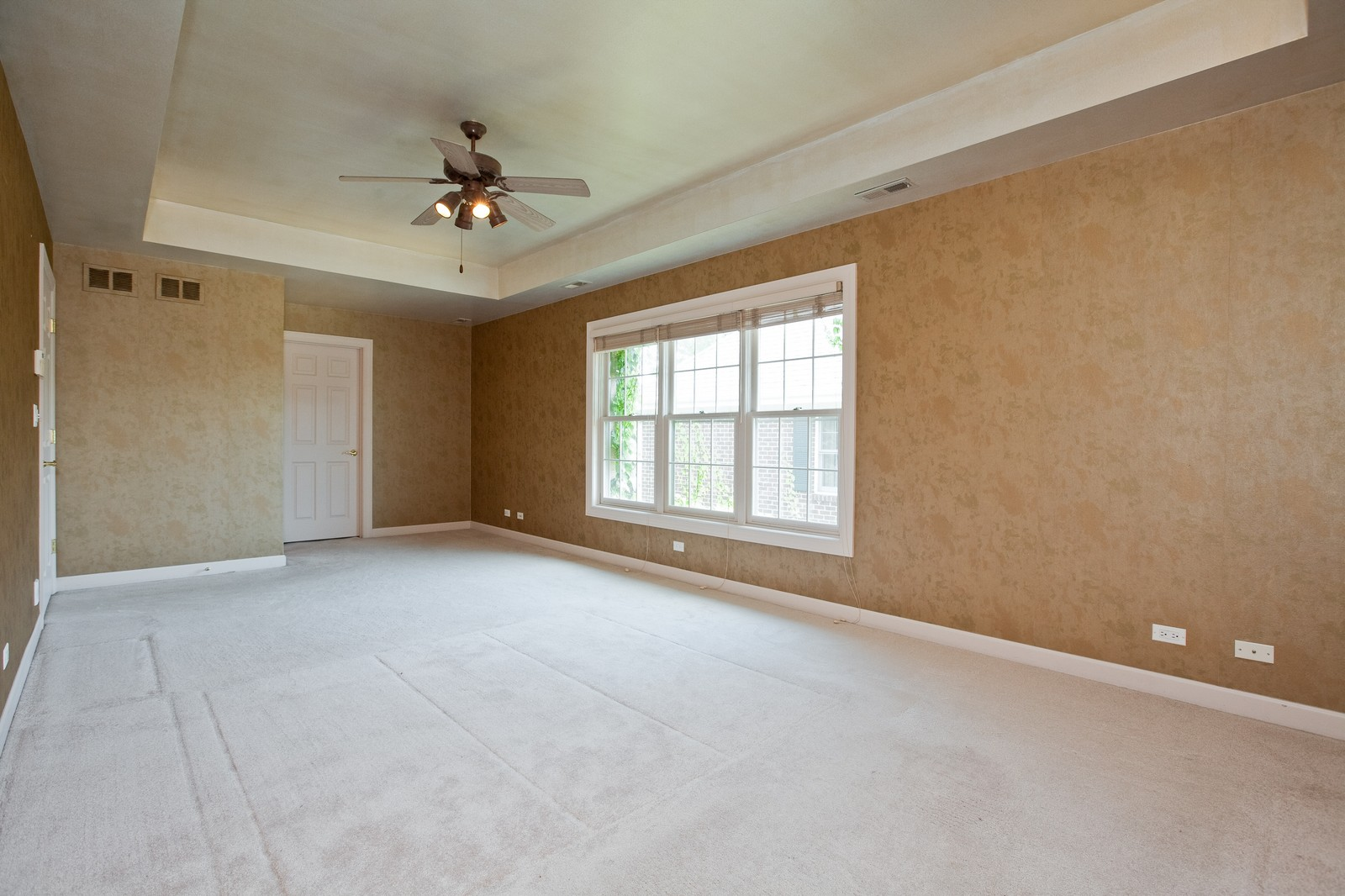 Real Estate Photography - 444 Lynn Ct, Clarendon Hills, IL, 60514 - Master Bedroom