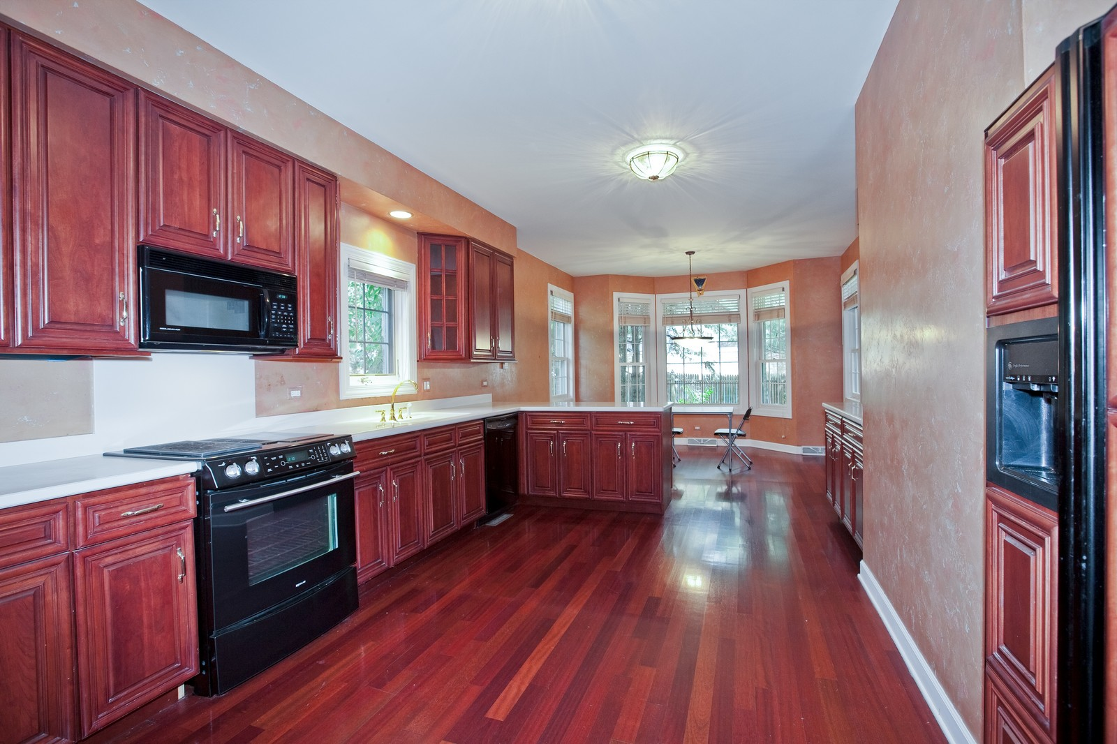 Real Estate Photography - 444 Lynn Ct, Clarendon Hills, IL, 60514 - Kitchen
