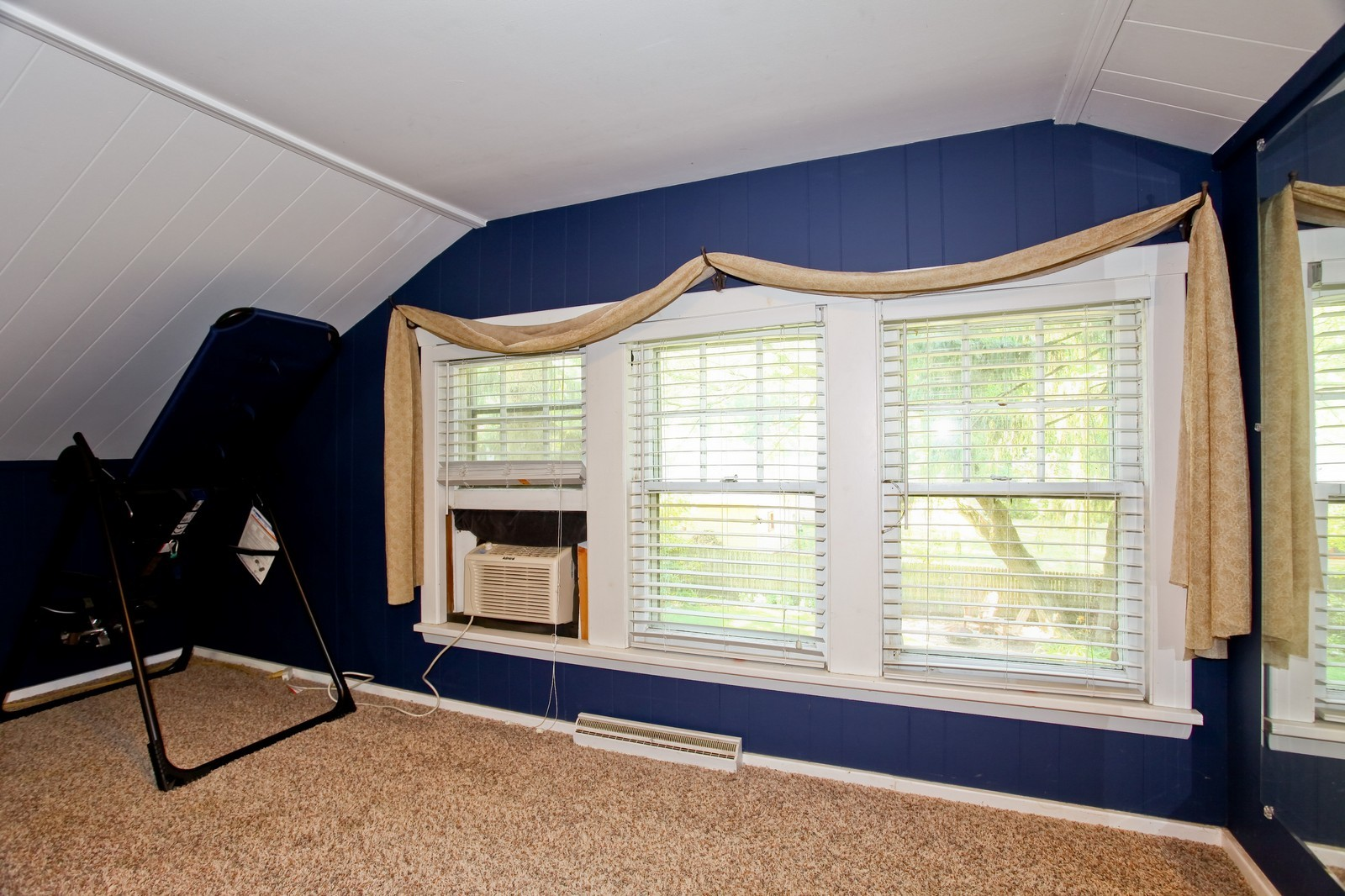 Real Estate Photography - 34W407 Maple Ln, St Charles, IL, 60174 - Reading Room