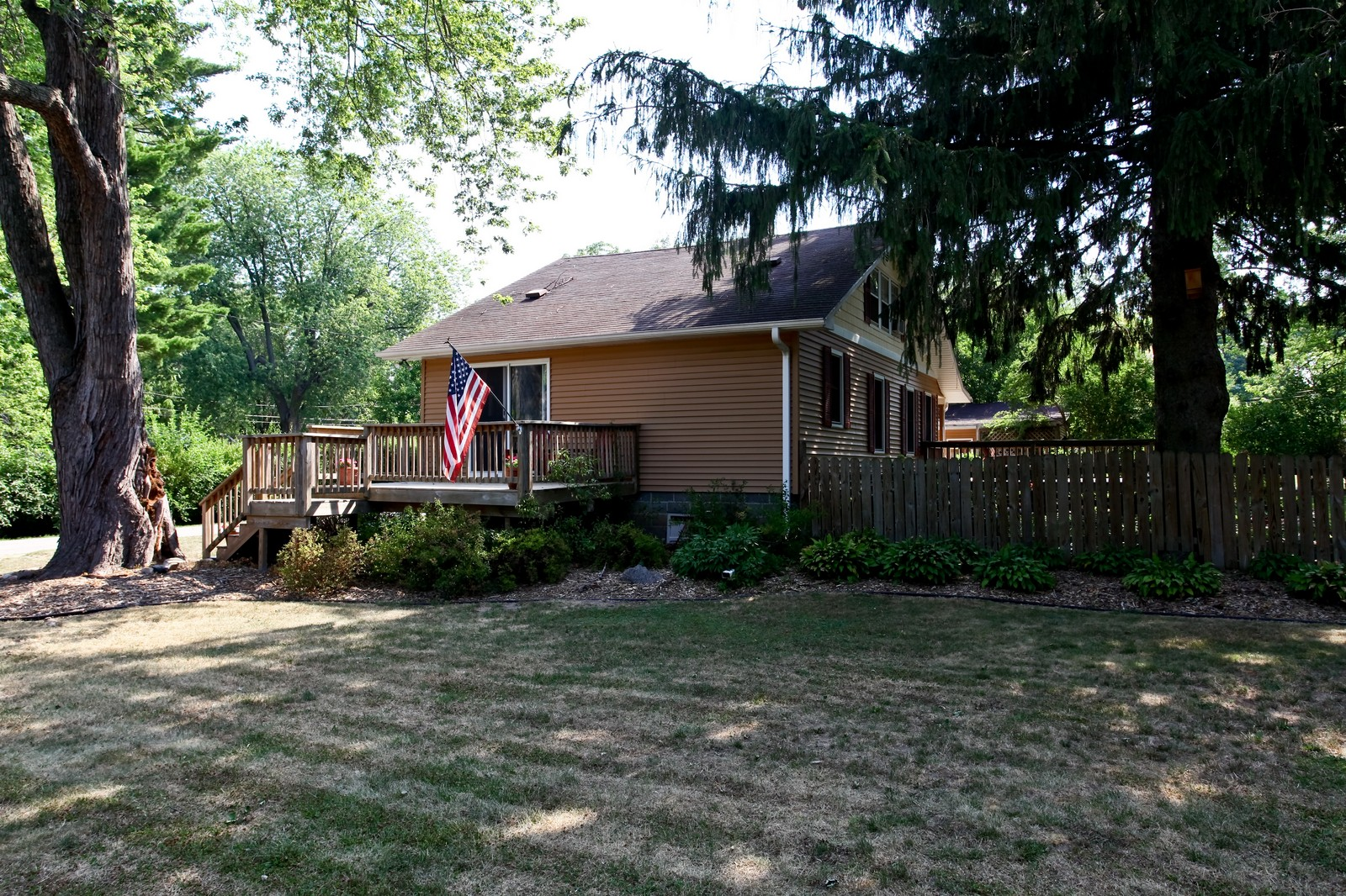 Real Estate Photography - 34W407 Maple Ln, St Charles, IL, 60174 - Side View