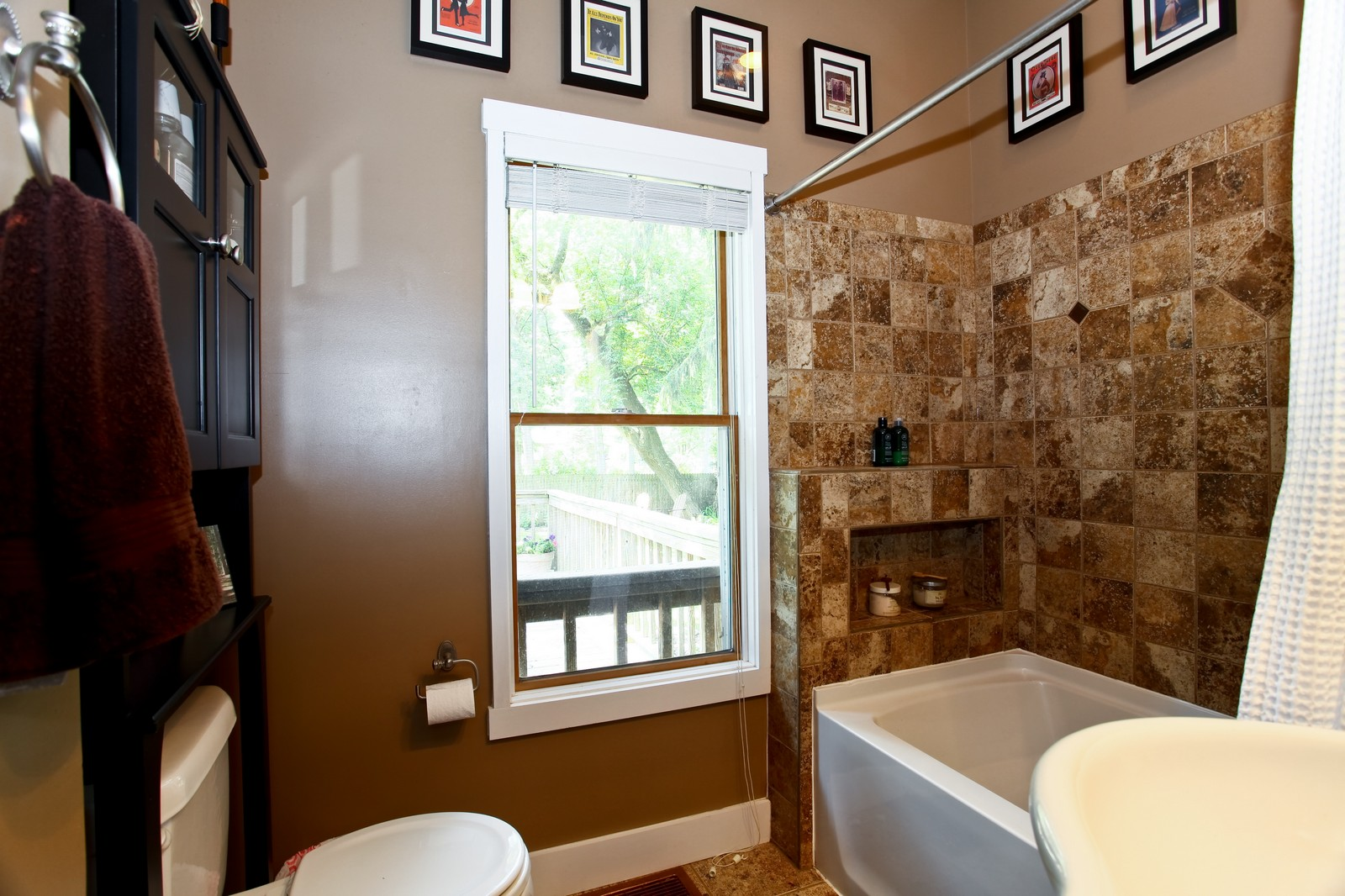Real Estate Photography - 34W407 Maple Ln, St Charles, IL, 60174 - Bathroom