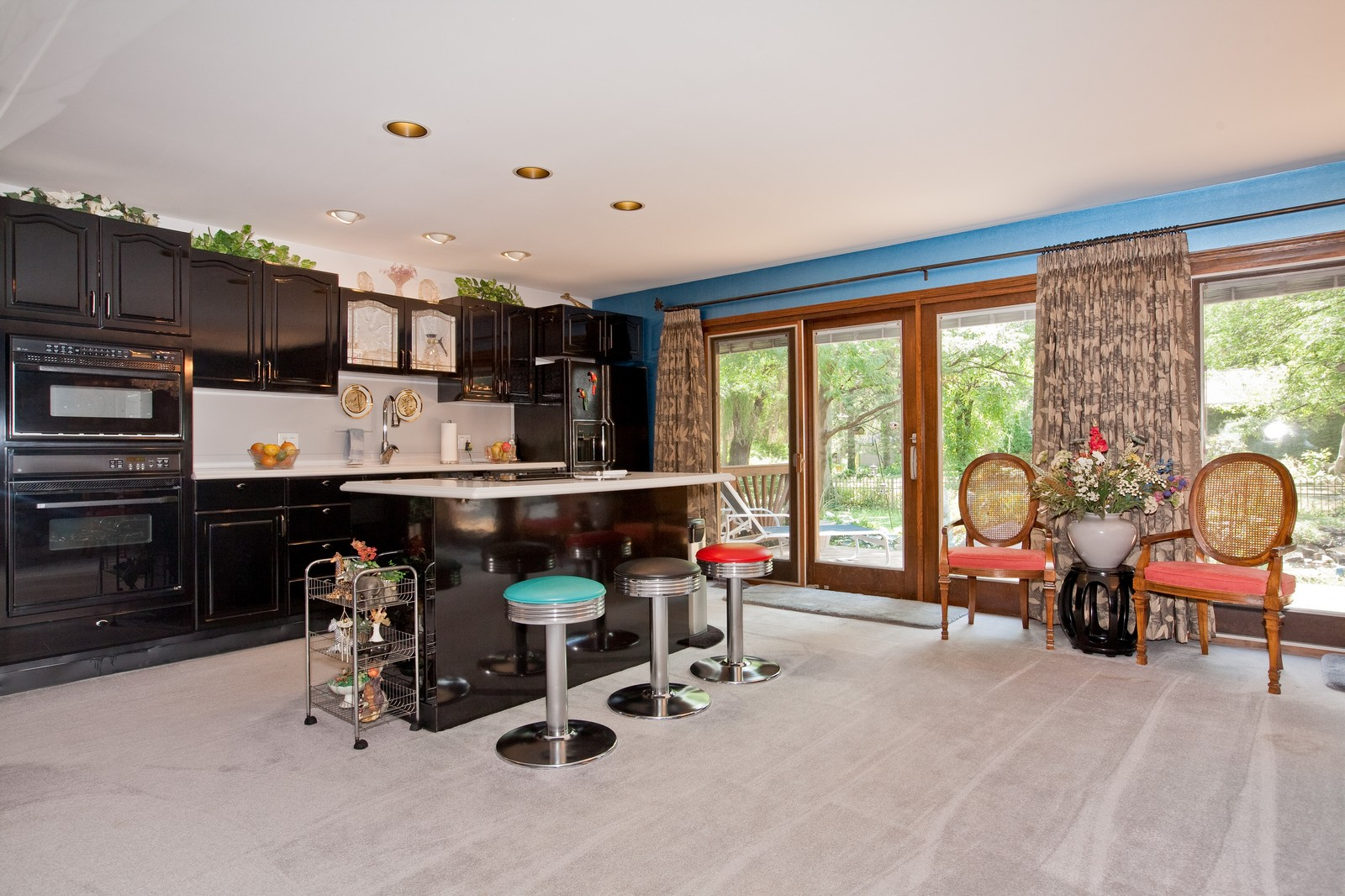 Real Estate Photography - 131 Woodland Dr, Oak Brook, IL, 60523 - Location 2