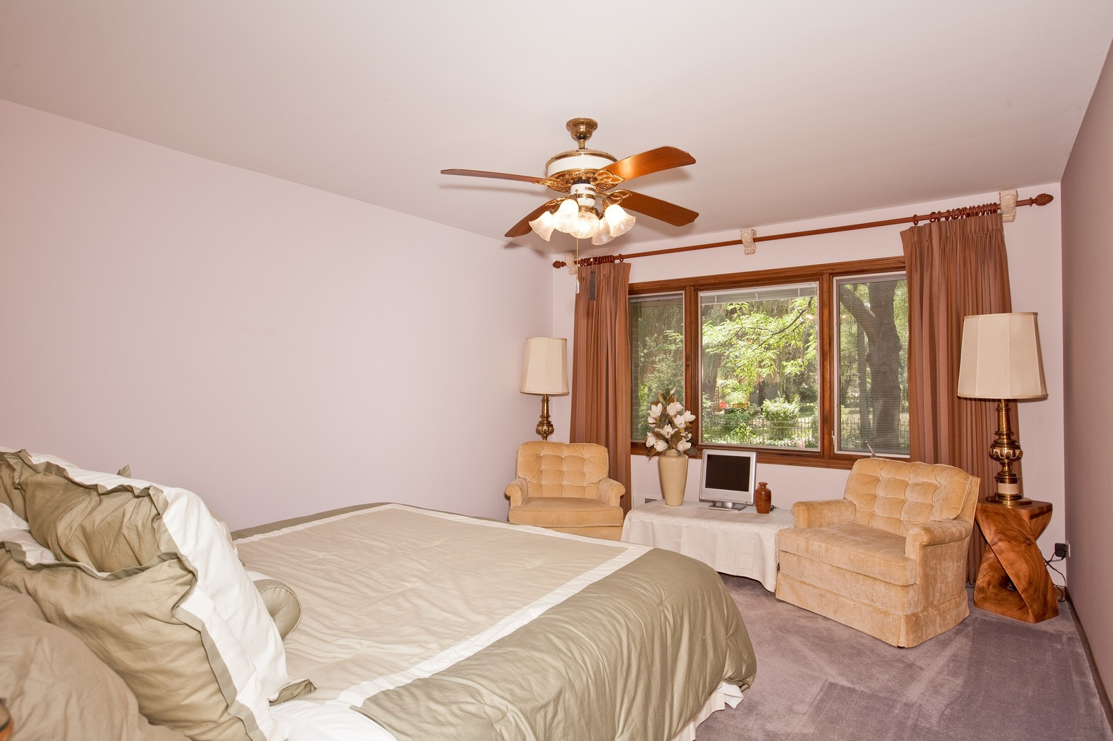 Real Estate Photography - 131 Woodland Dr, Oak Brook, IL, 60523 - Location 5