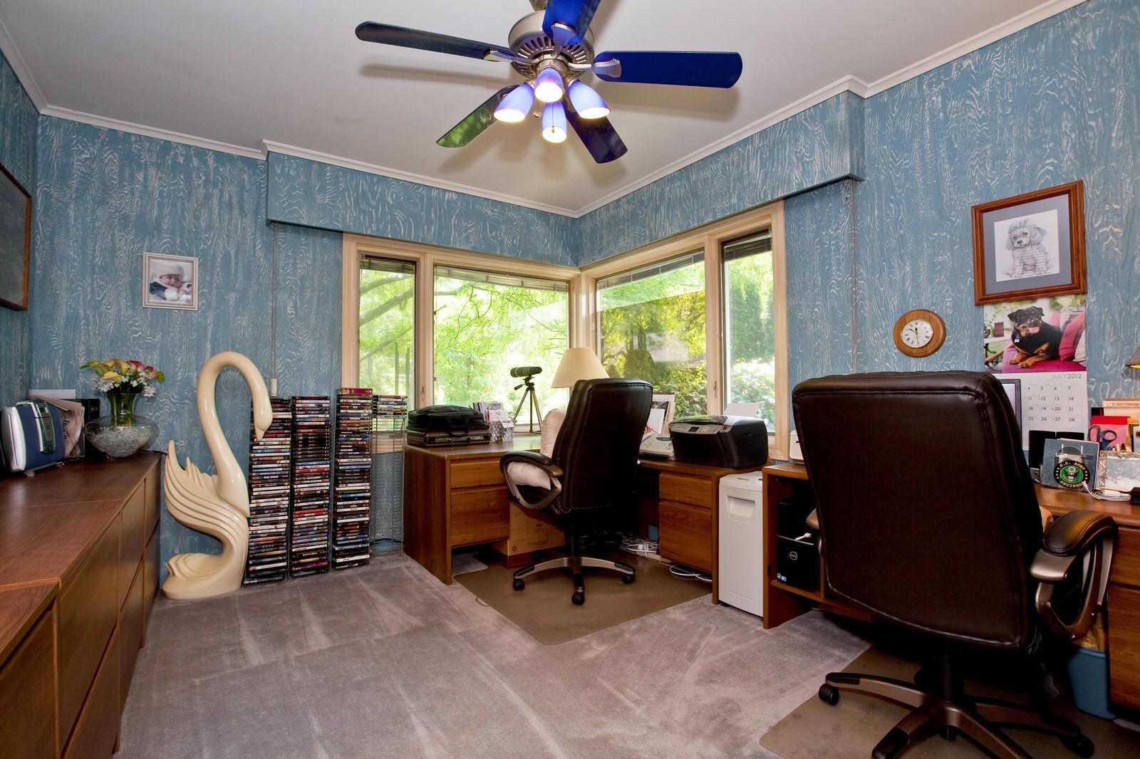 Real Estate Photography - 131 Woodland Dr, Oak Brook, IL, 60523 - 2nd Bedroom