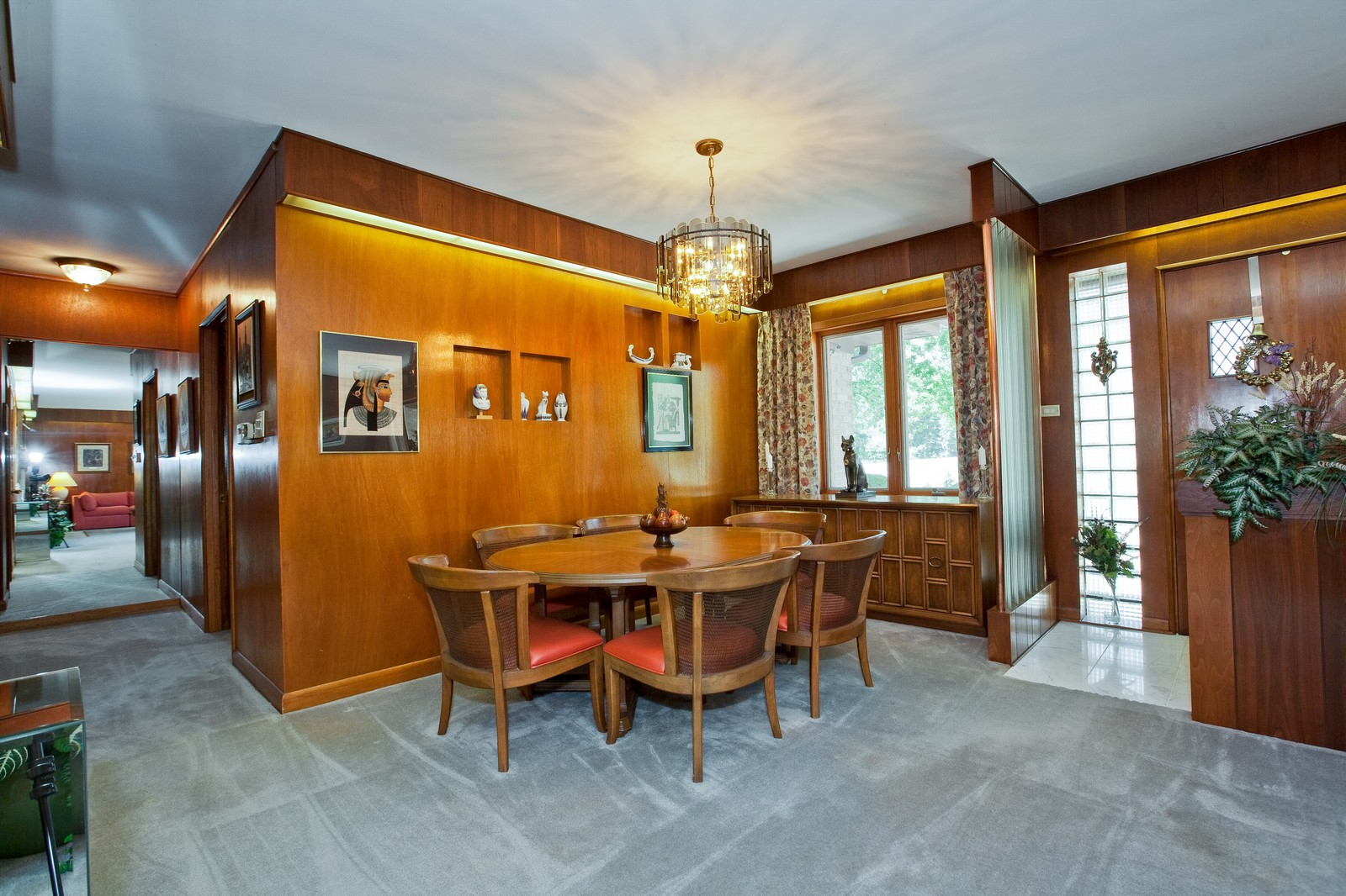 Real Estate Photography - 131 Woodland Dr, Oak Brook, IL, 60523 - Dining Room
