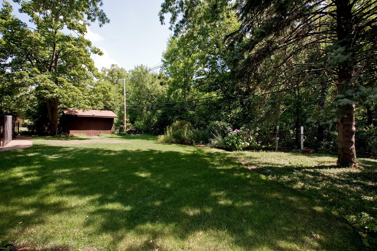 Real Estate Photography - 131 Woodland Dr, Oak Brook, IL, 60523 - Back Yard