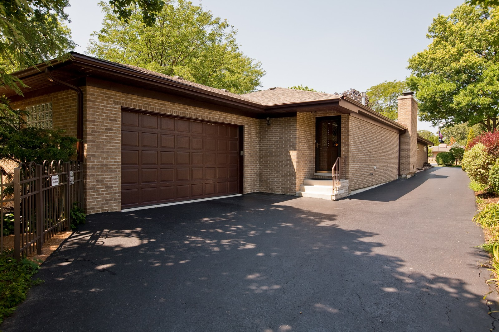 Real Estate Photography - 131 Woodland Dr, Oak Brook, IL, 60523 - Garage