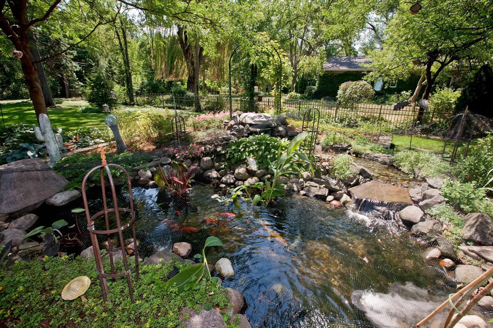 Real Estate Photography - 131 Woodland Dr, Oak Brook, IL, 60523 - Pond