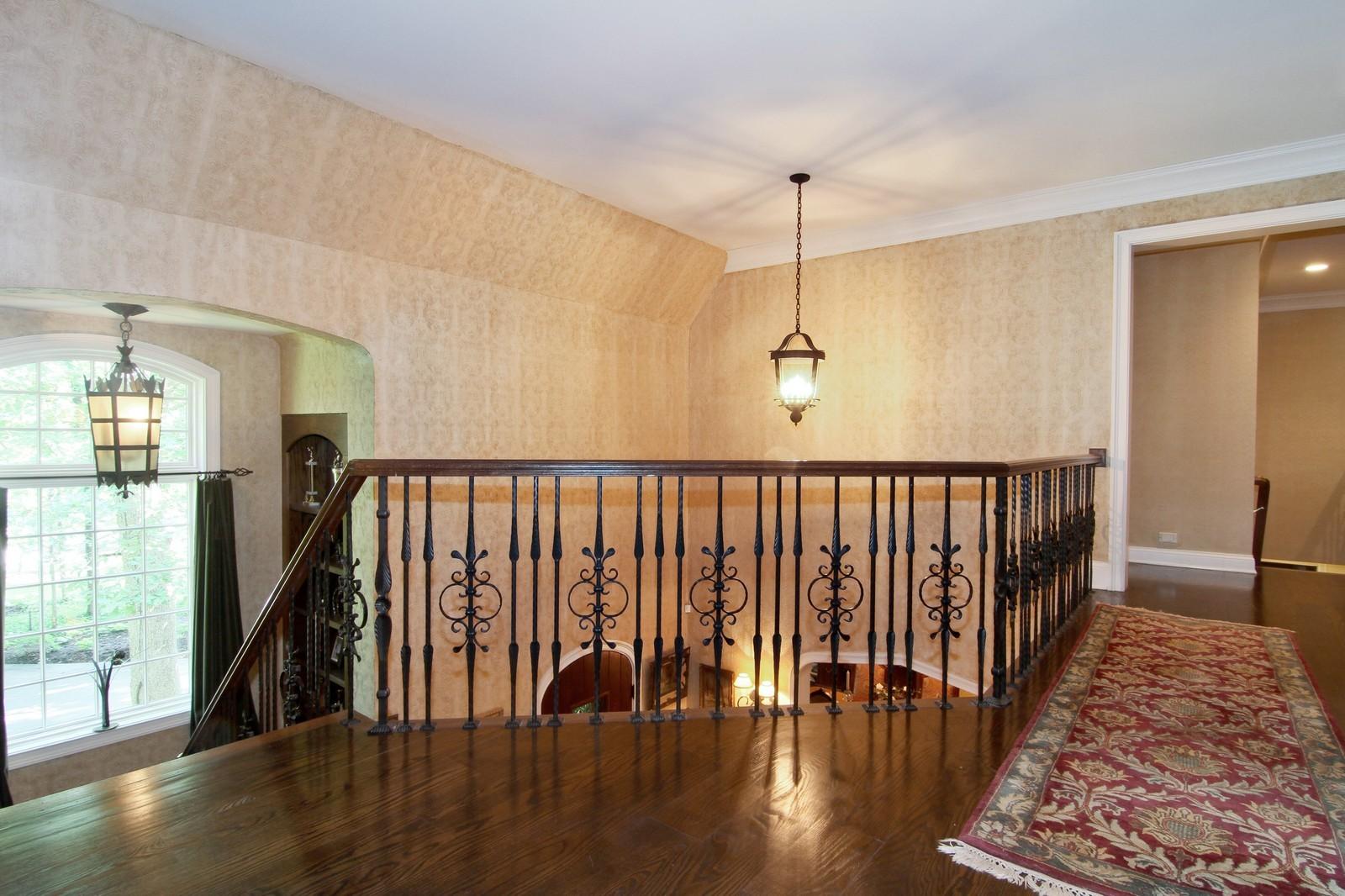 Real Estate Photography - 2901 Glenbriar Dr, St Charles, IL, 60174 - 2nd Floor Corridor