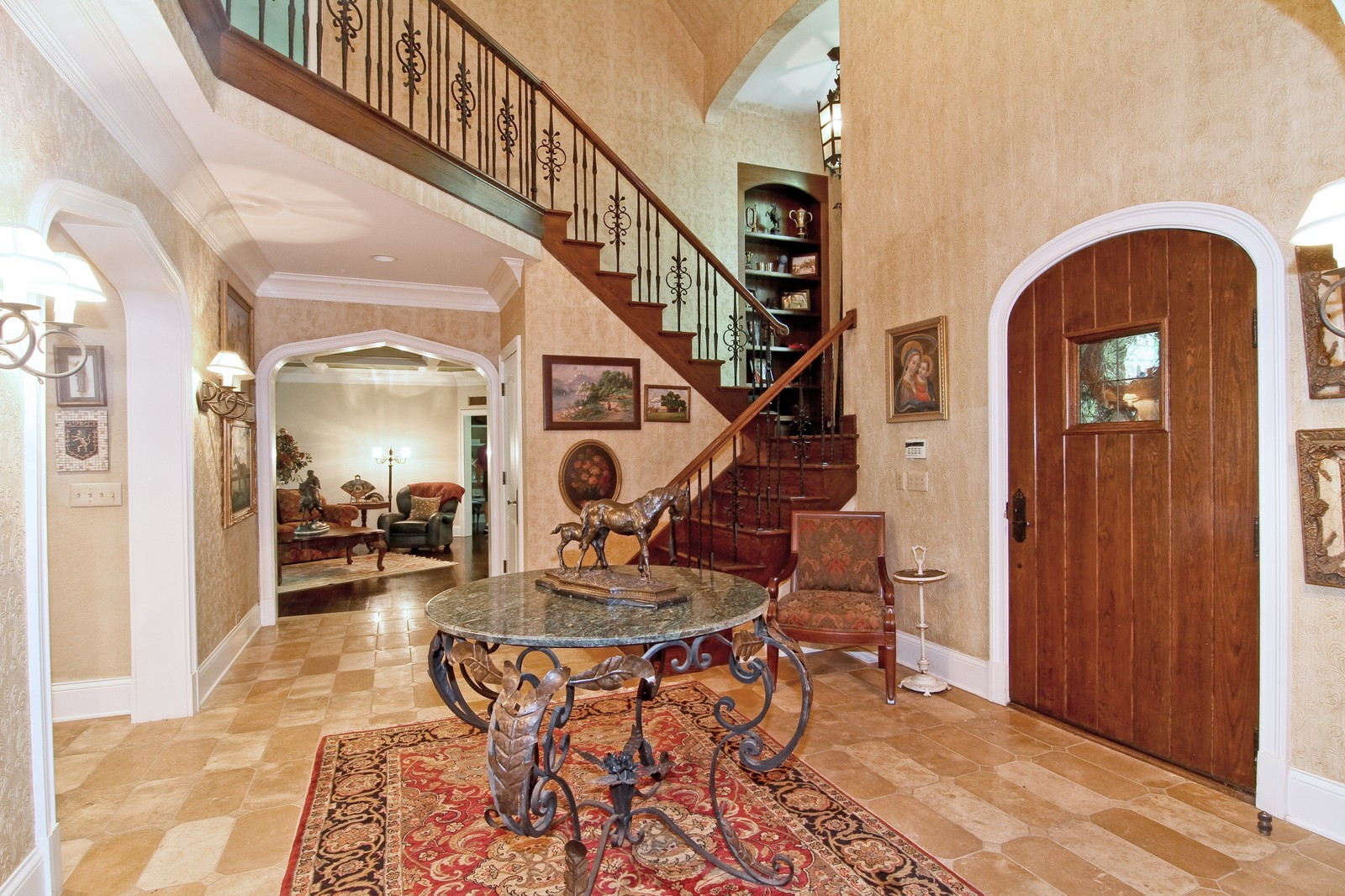 Real Estate Photography - 2901 Glenbriar Dr, St Charles, IL, 60174 - Entryway