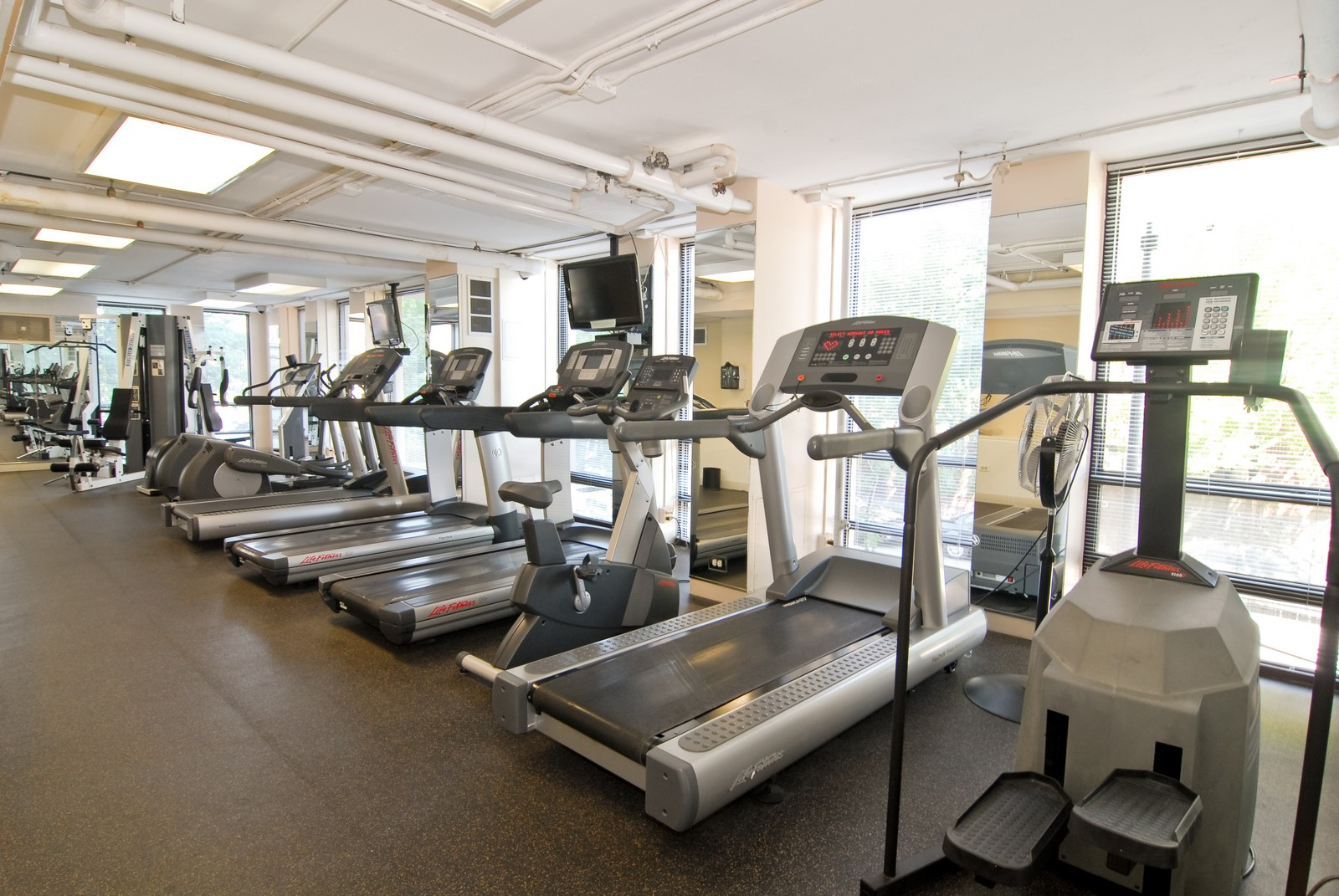 Real Estate Photography - 1660 N LaSalle, Unit 409, Chicago, IL, 60614 - Fitness Room