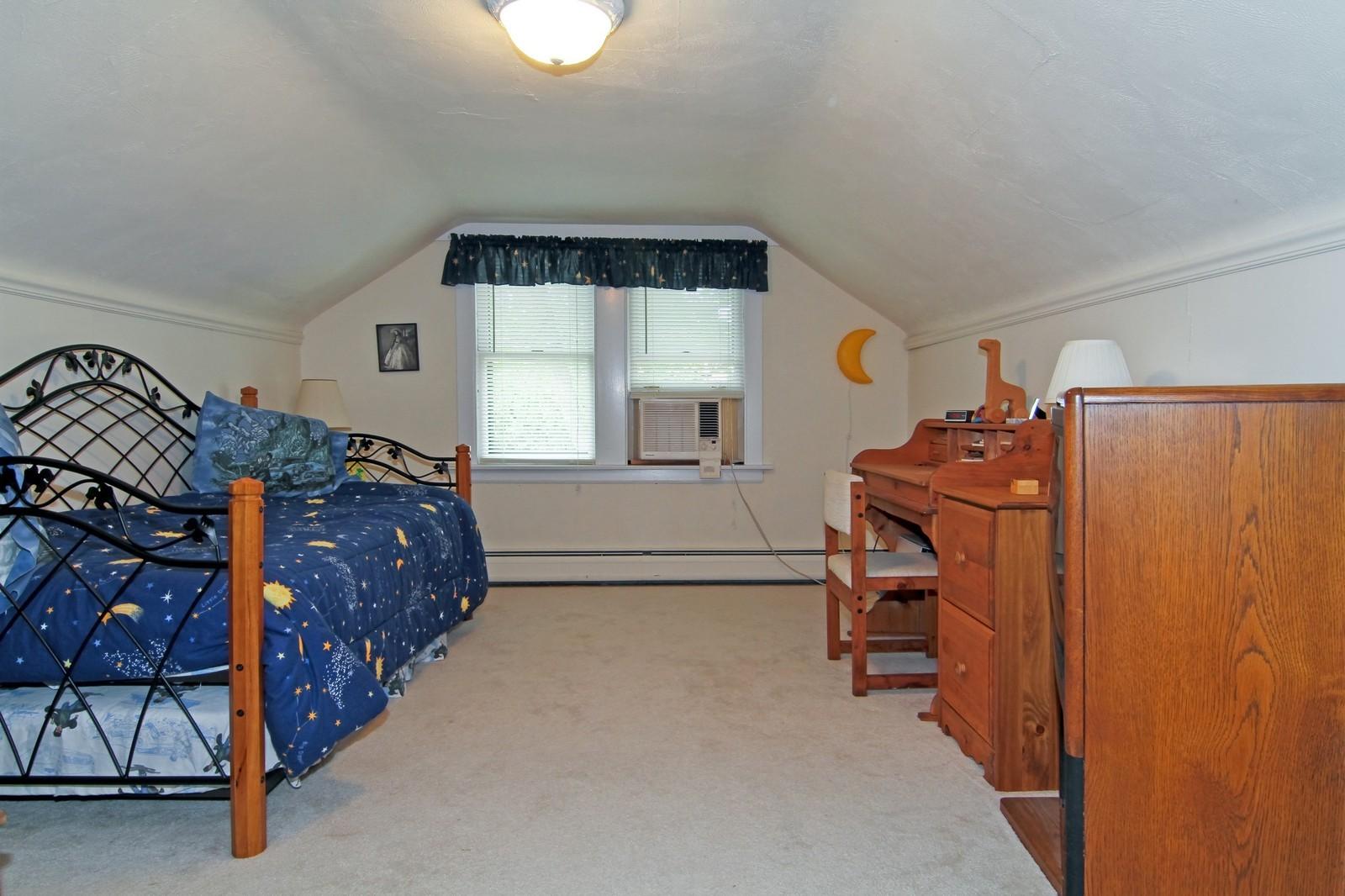 Real Estate Photography - 324 Lorraine, Glen Ellyn, IL, 60137 - 2nd Bedroom