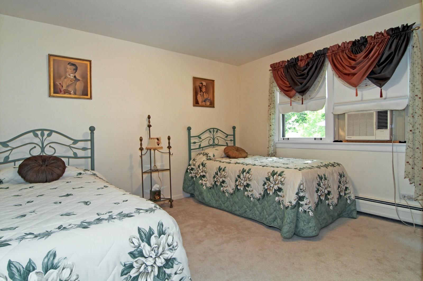 Real Estate Photography - 324 Lorraine, Glen Ellyn, IL, 60137 - 3rd Bedroom