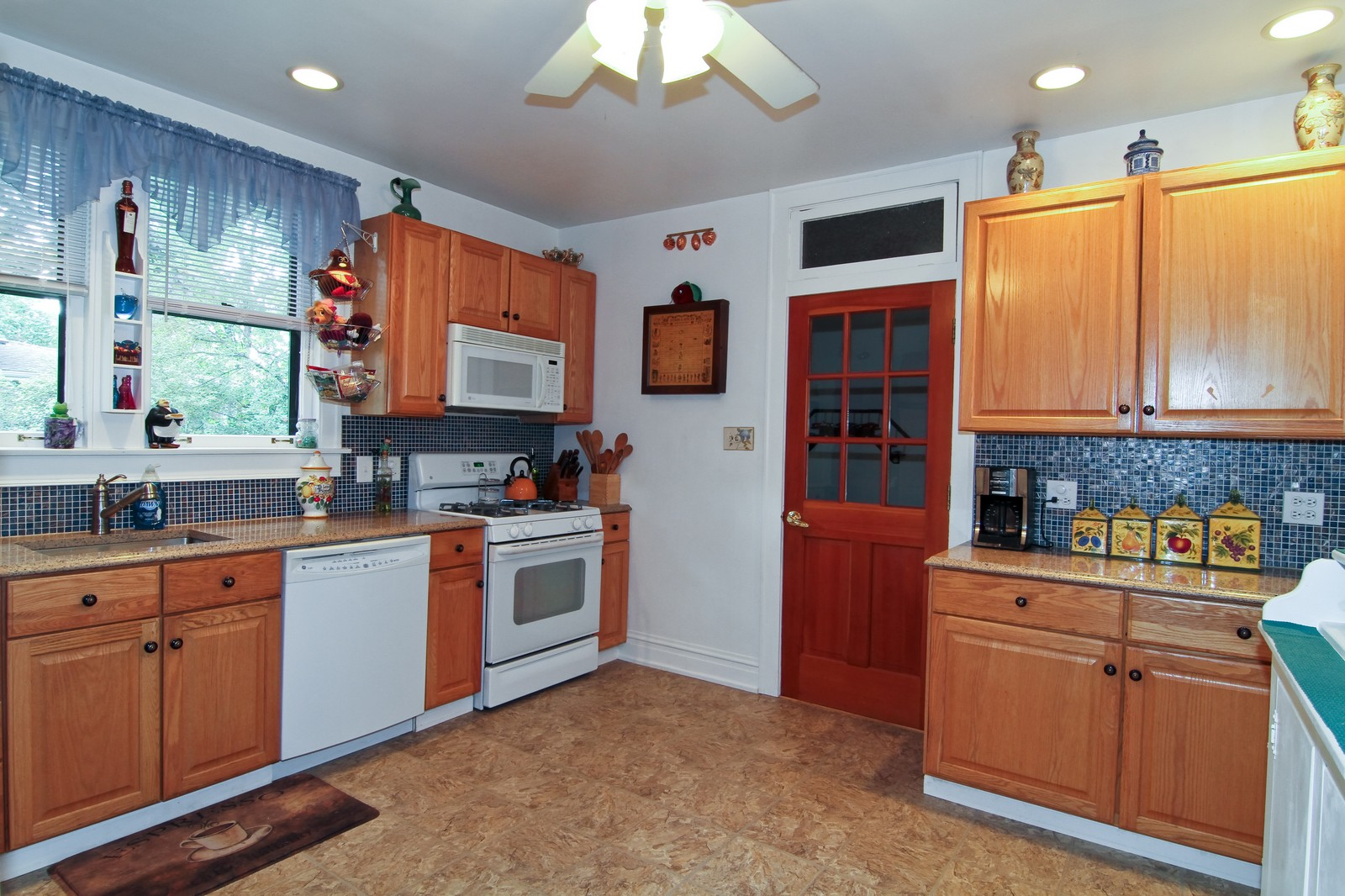 Real Estate Photography - 324 Lorraine, Glen Ellyn, IL, 60137 - Kitchen