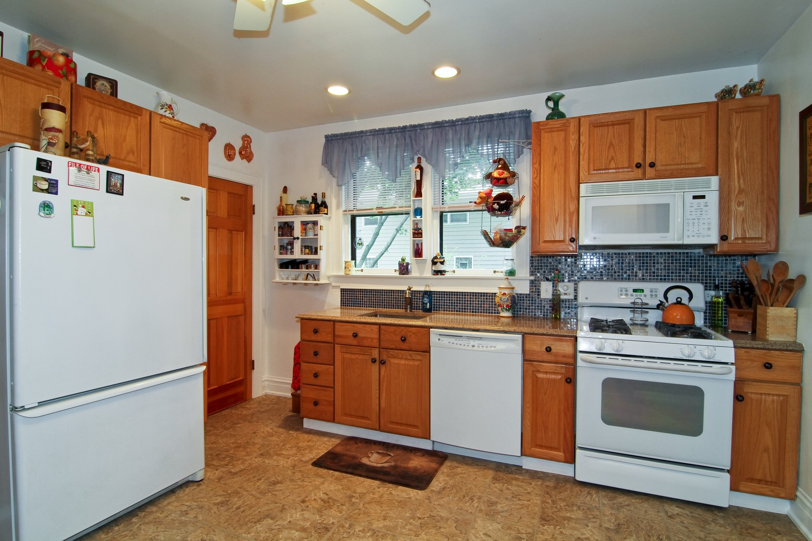 Real Estate Photography - 324 Lorraine, Glen Ellyn, IL, 60137 - Kitchen