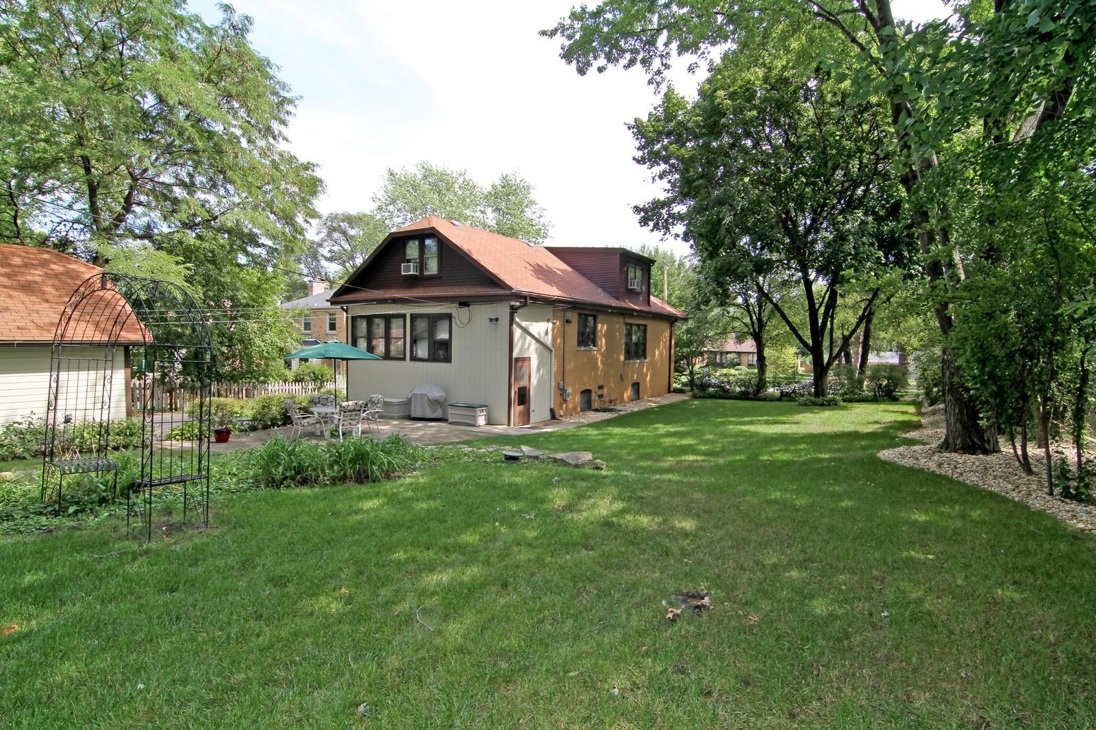 Real Estate Photography - 324 Lorraine, Glen Ellyn, IL, 60137 - Rear View