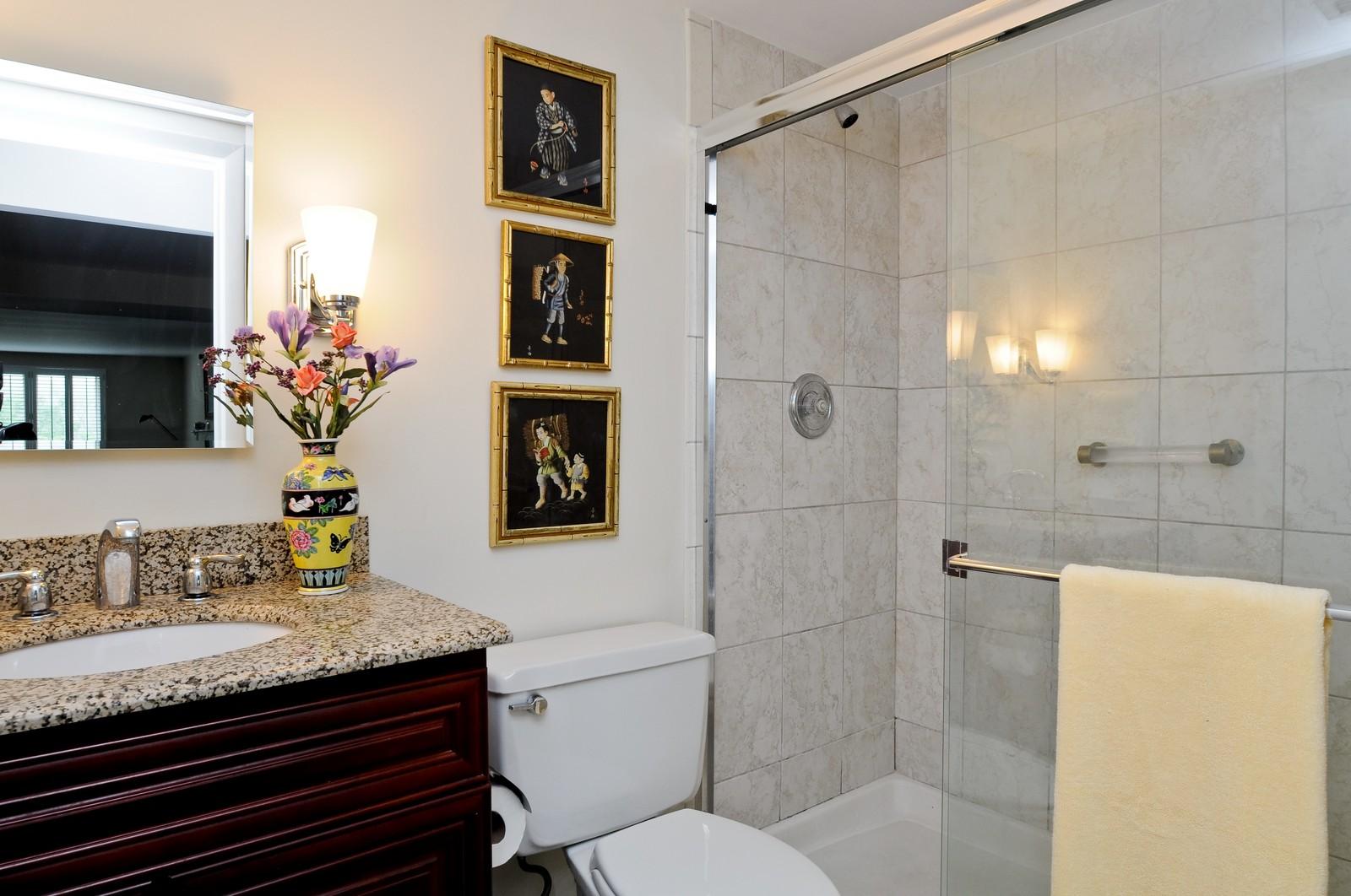 Real Estate Photography - 640 Winnetka, 306, Winnetka, IL, 60093 - Bathroom