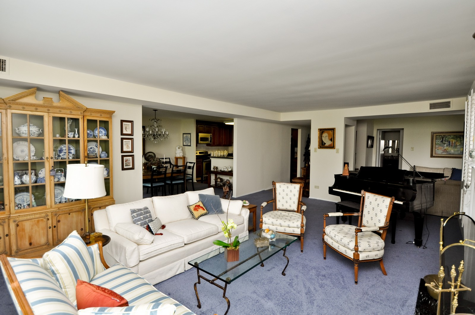 Real Estate Photography - 640 Winnetka, 306, Winnetka, IL, 60093 - Living Room / Dining Room
