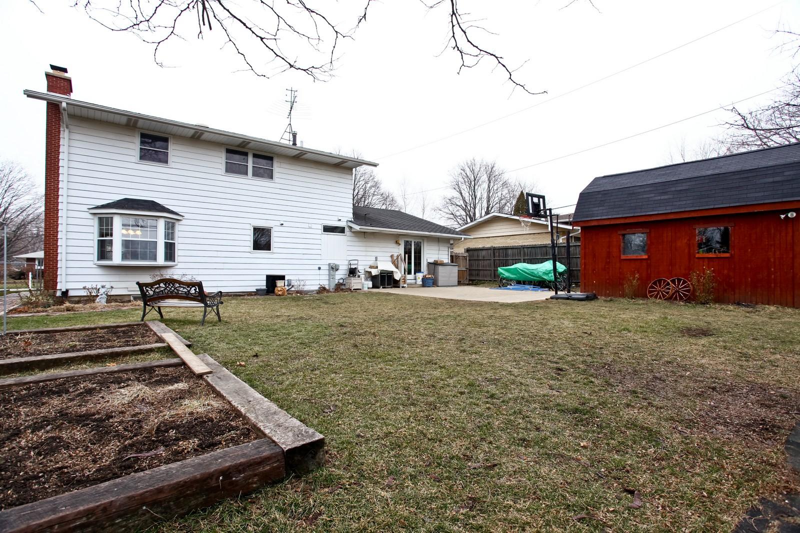 Real Estate Photography - 1515 Meadows Road, Geneva, IL, 60134 - Neighborhood