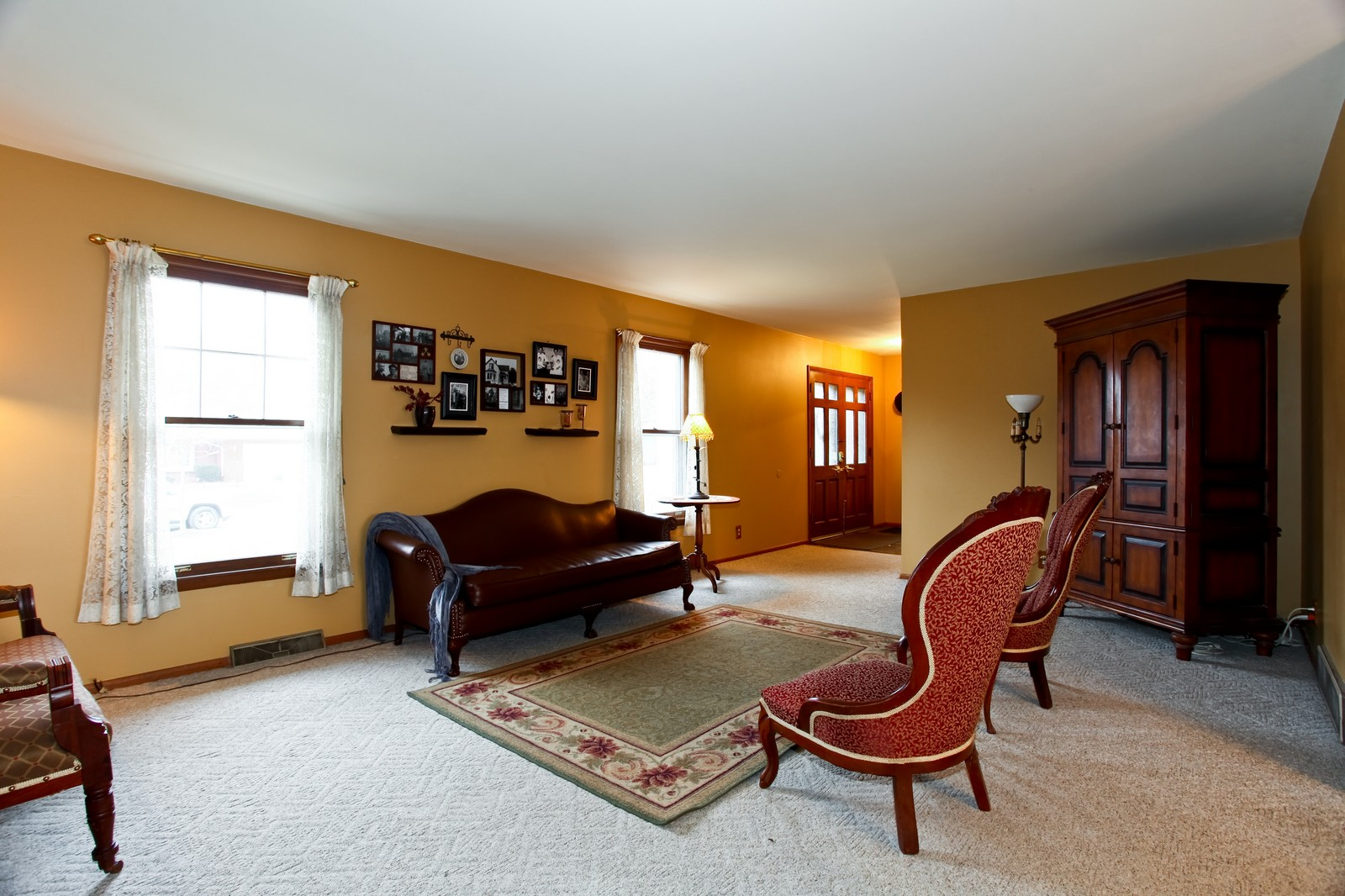 Real Estate Photography - 1515 Meadows Road, Geneva, IL, 60134 - Living Room