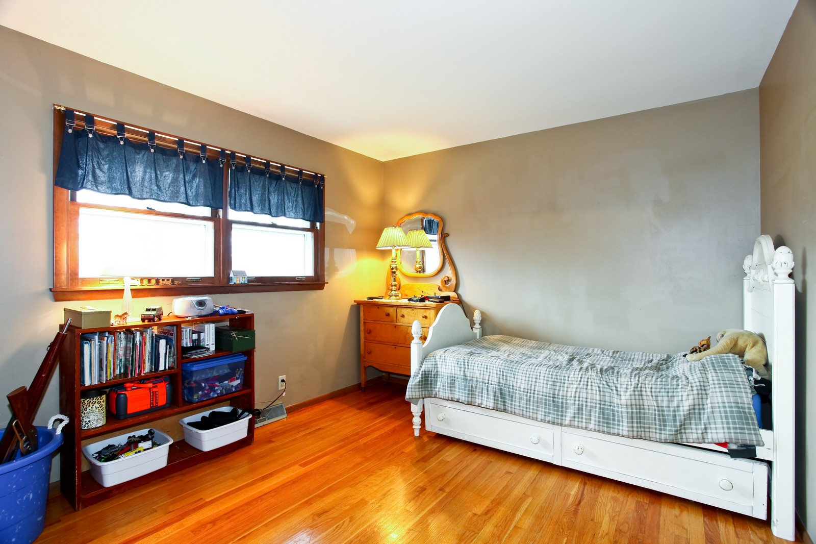 Real Estate Photography - 1515 Meadows Road, Geneva, IL, 60134 - Bedroom