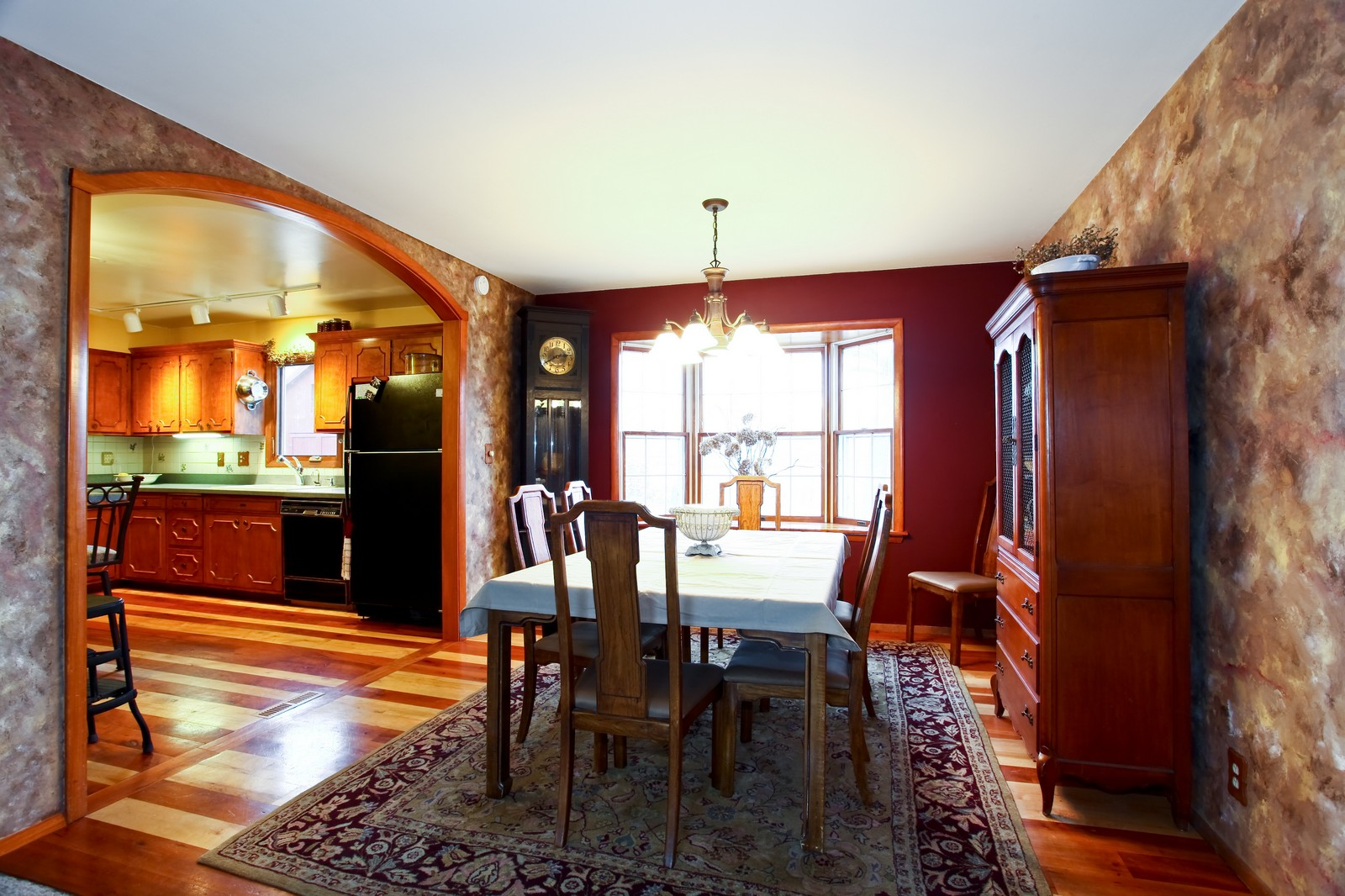 Real Estate Photography - 1515 Meadows Road, Geneva, IL, 60134 - Dining Room