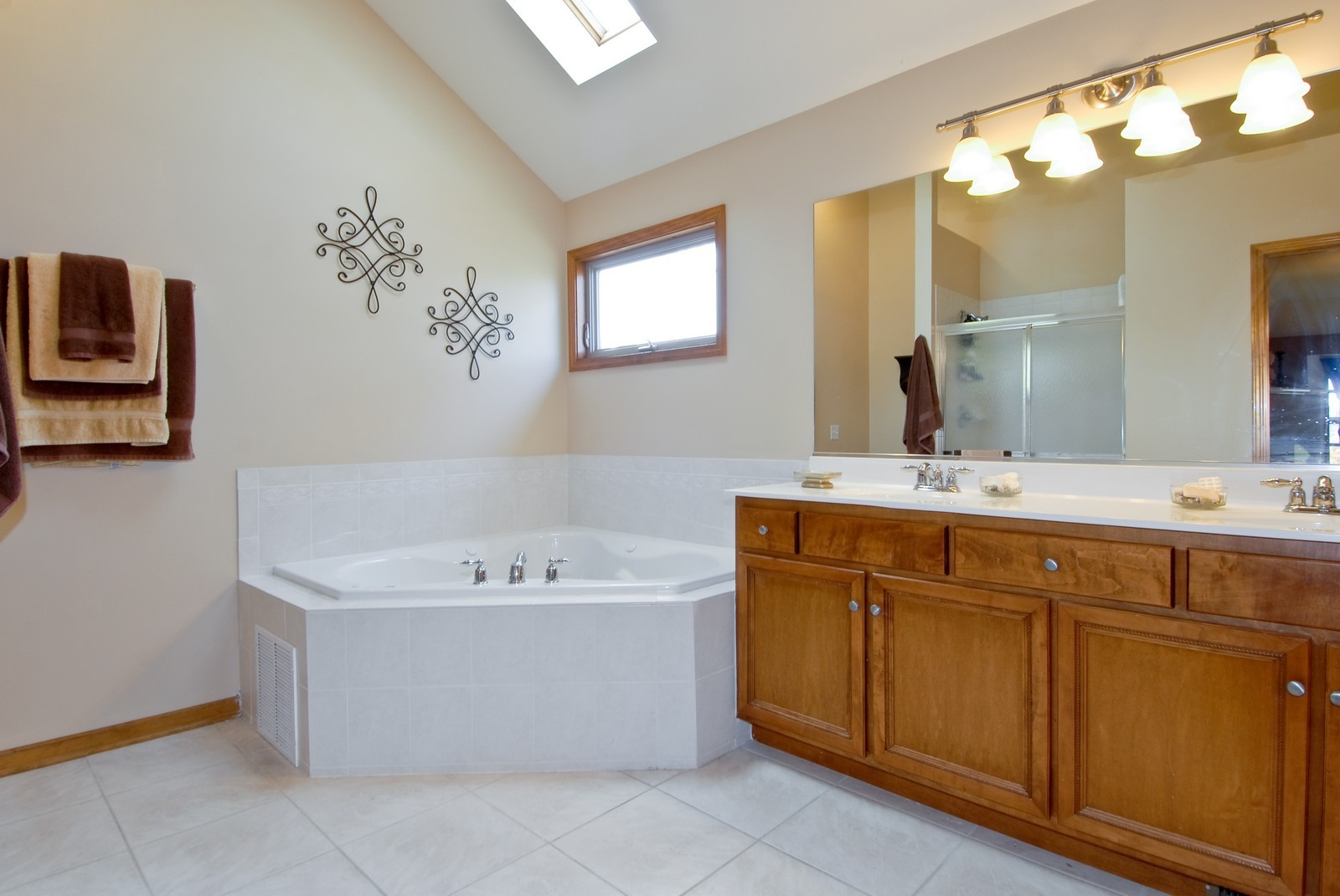 Real Estate Photography - 13232 Birdseye Court, Plainfield, IL, 60585 - Location 2