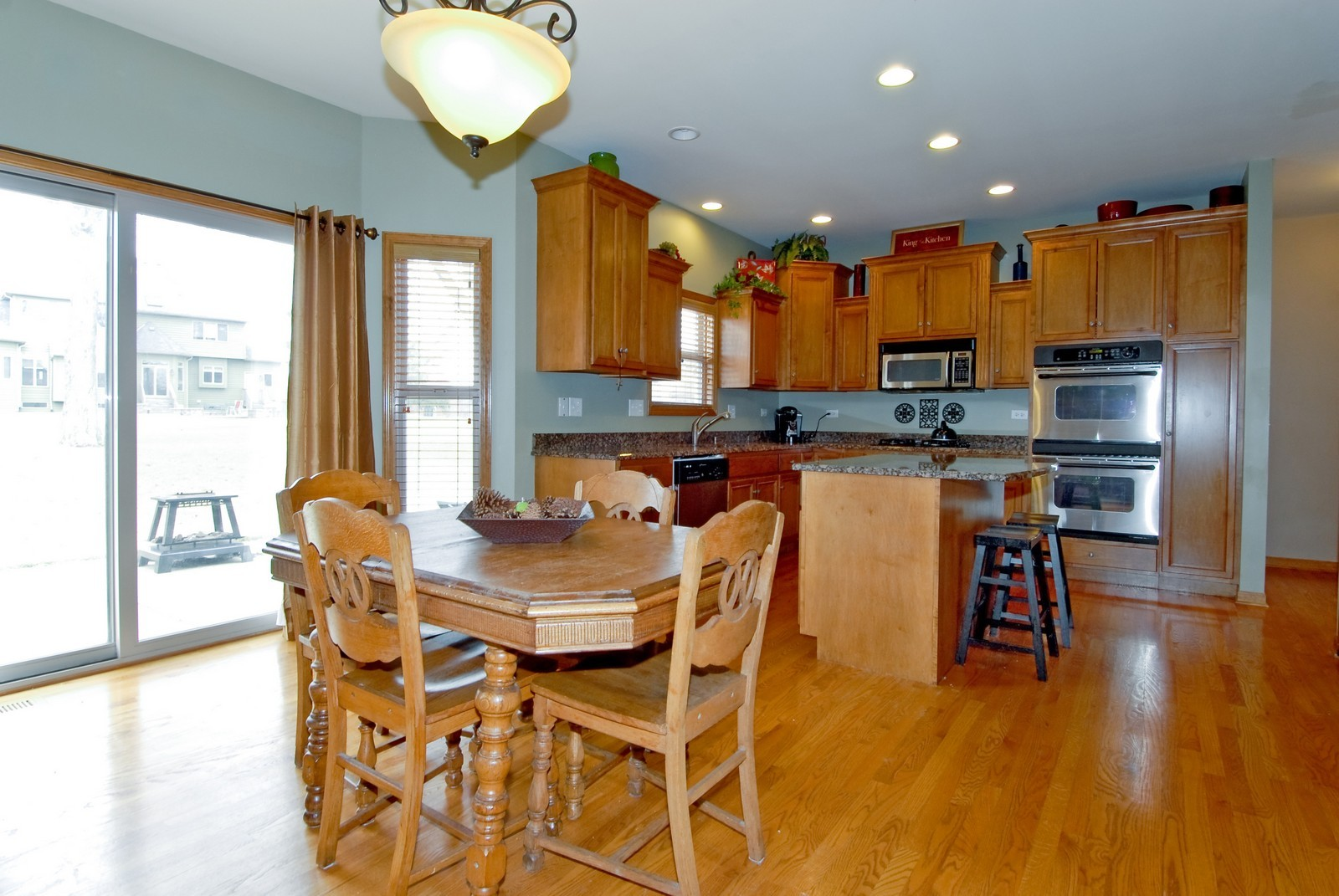 Real Estate Photography - 13232 Birdseye Court, Plainfield, IL, 60585 - Kitchen / Breakfast Room