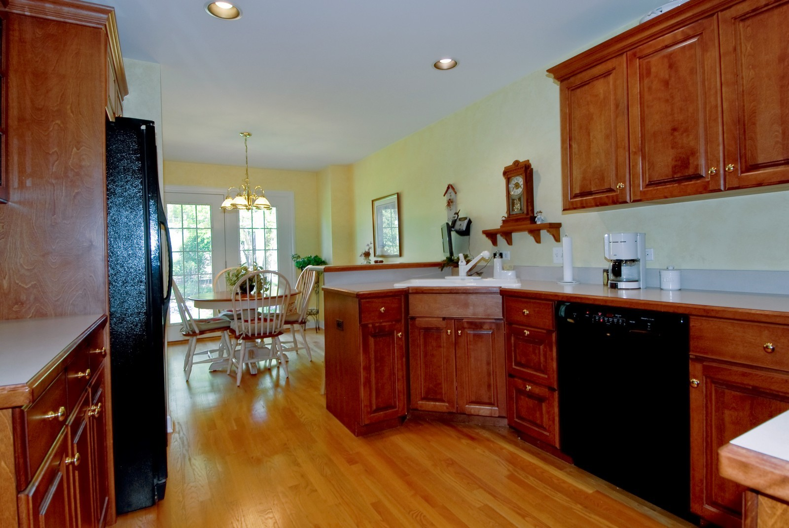 Real Estate Photography - 3742 King George Ln, St. Charles, IL, 60174 - Kitchen / Breakfast Room