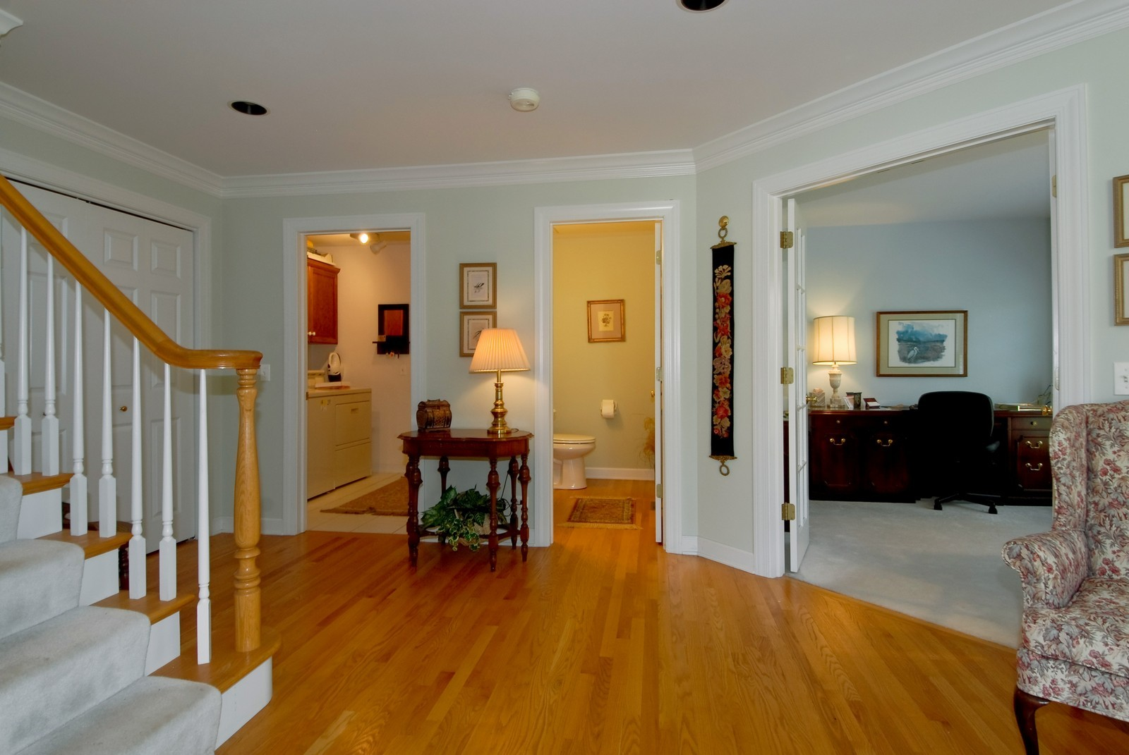 Real Estate Photography - 3742 King George Ln, St. Charles, IL, 60174 - Foyer