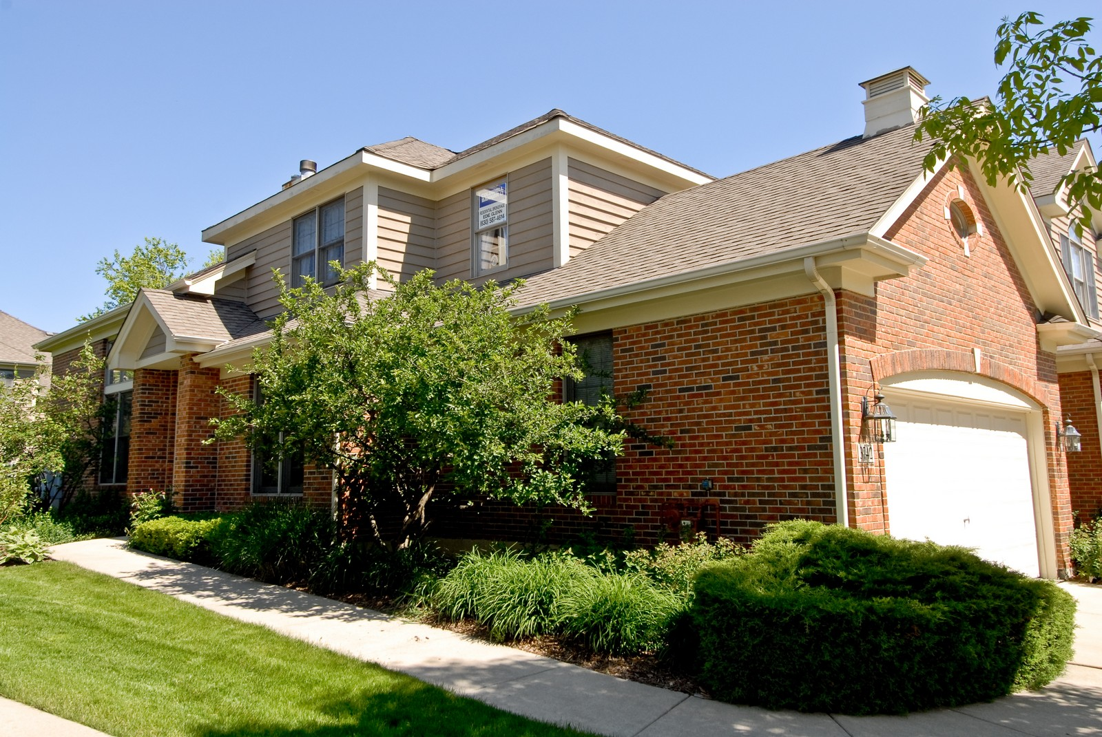 Real Estate Photography - 3742 King George Ln, St. Charles, IL, 60174 - Front View
