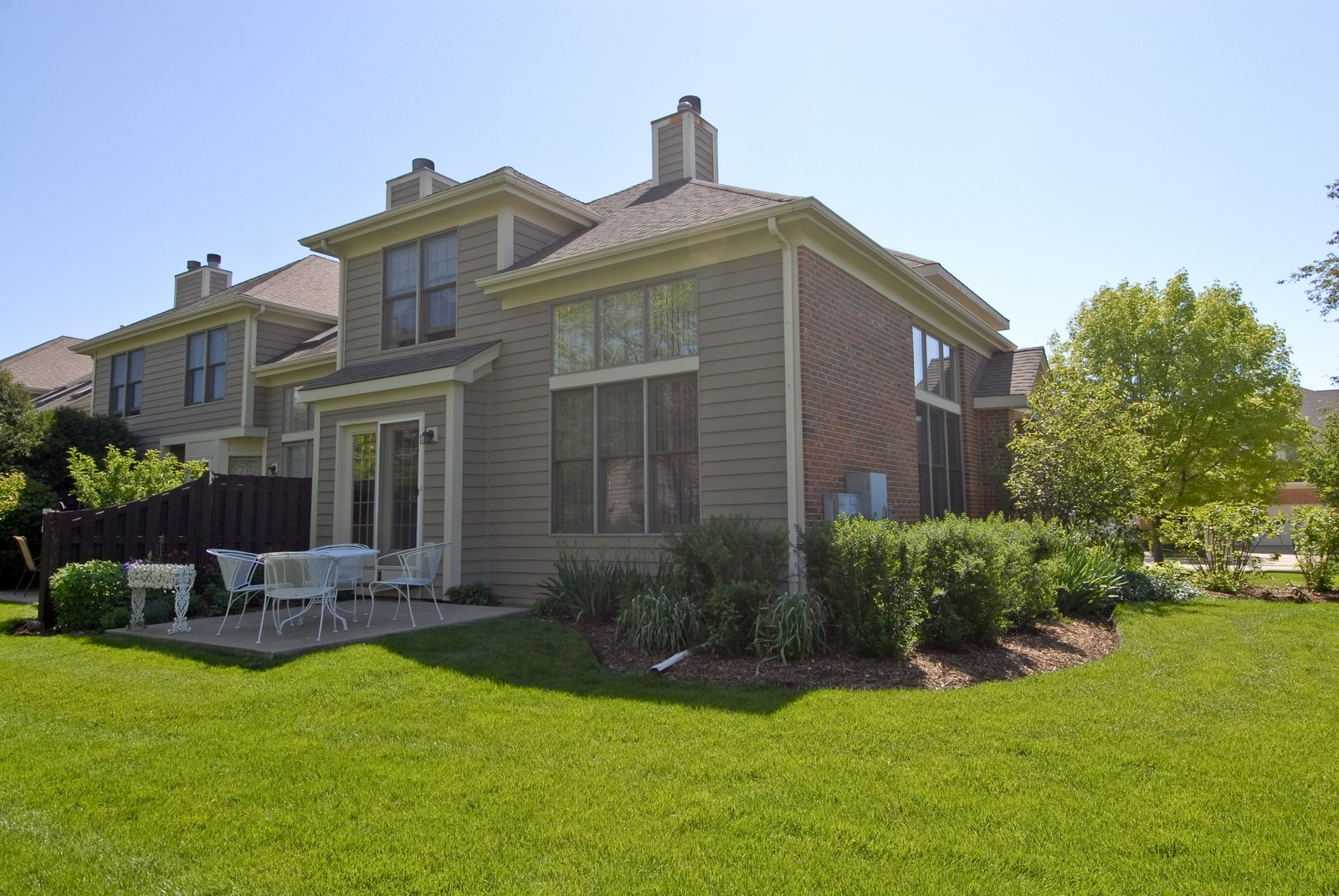 Real Estate Photography - 3742 King George Ln, St. Charles, IL, 60174 - Rear View