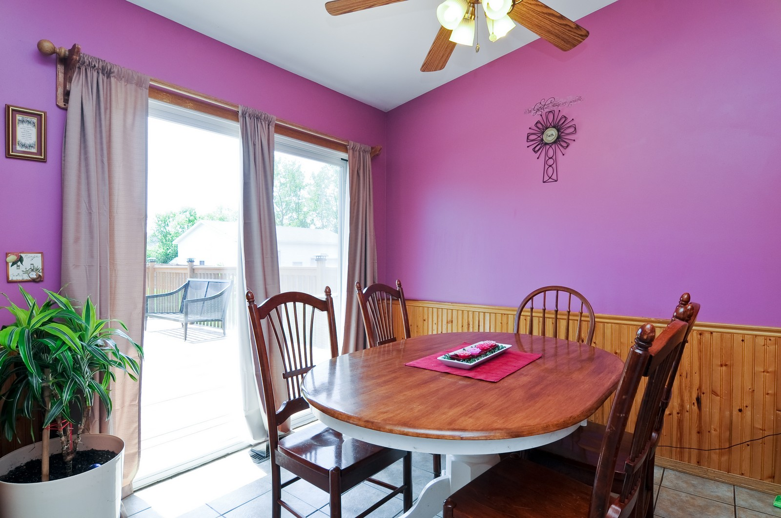 Real Estate Photography - 10625 Yorkhouse Rd, Beach Park, IL, 60087 - Dining Room