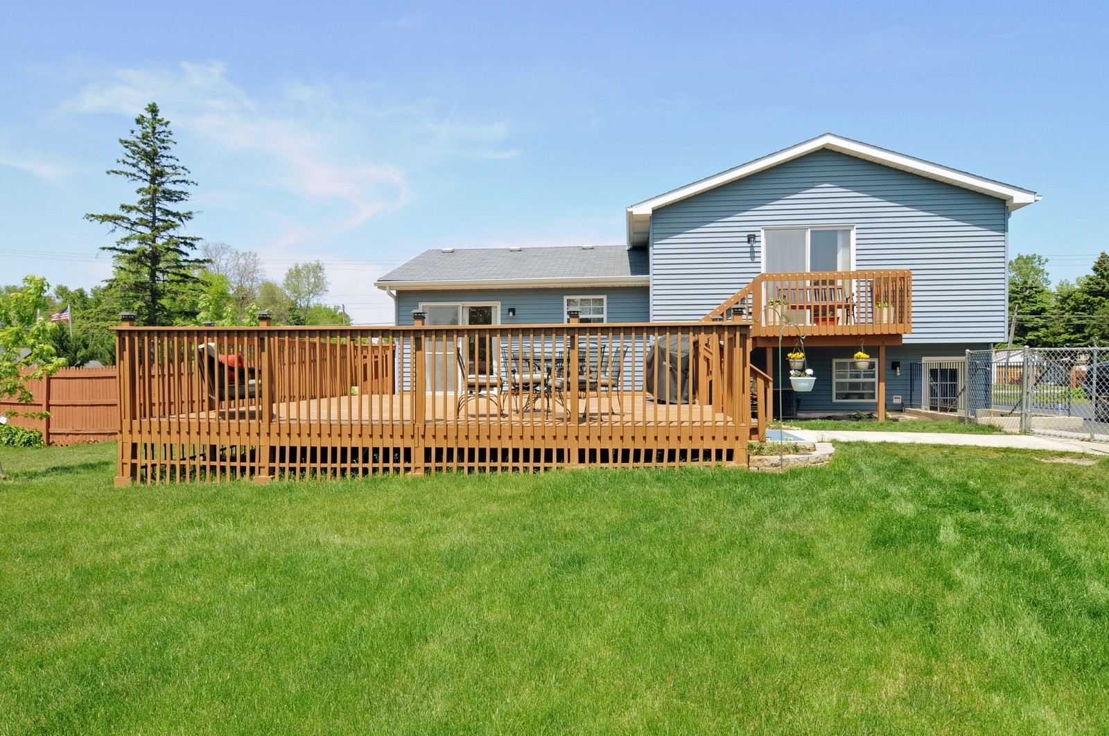 Real Estate Photography - 10625 Yorkhouse Rd, Beach Park, IL, 60087 - Back Yard