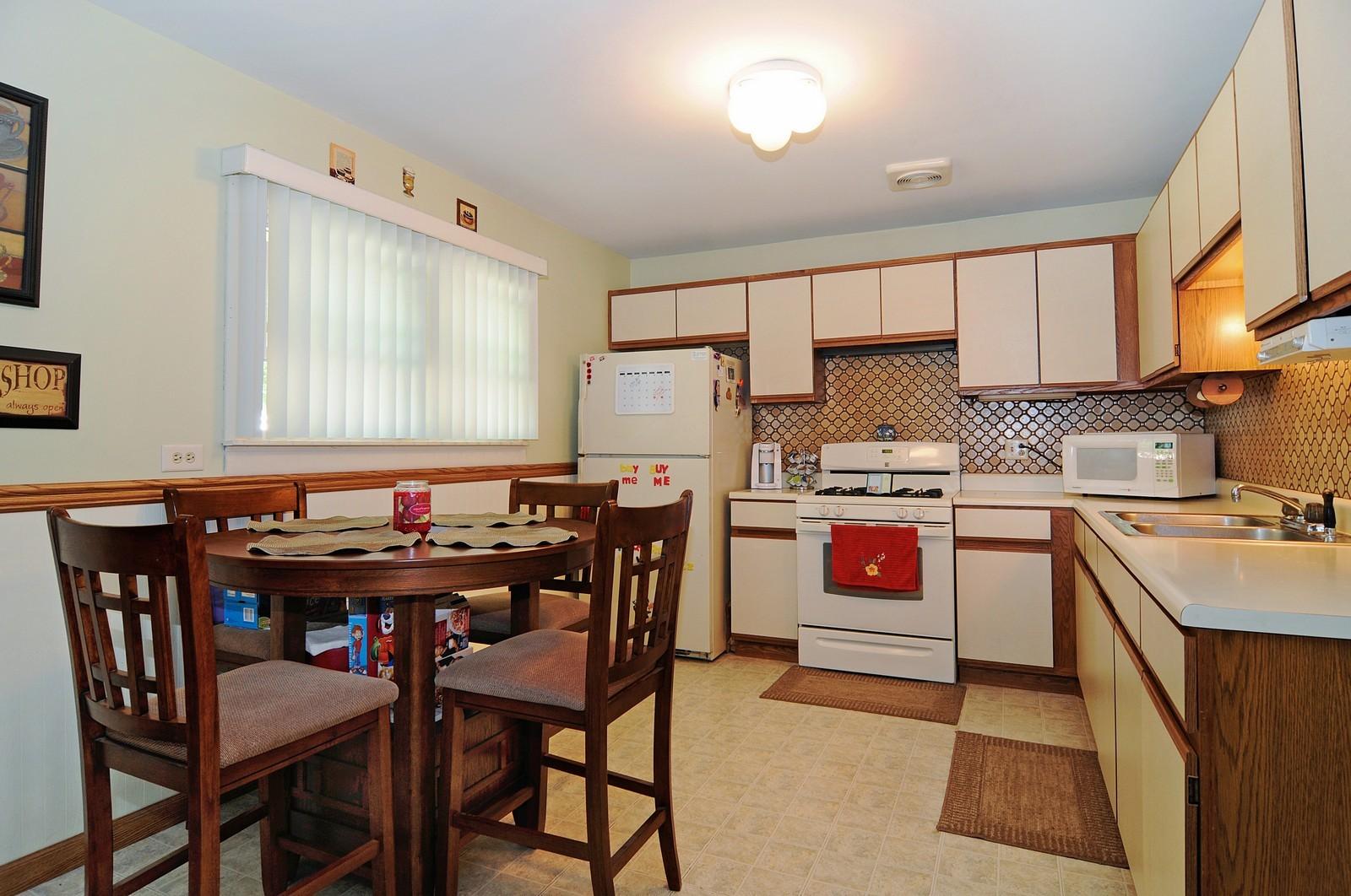 Real Estate Photography - 813 Sunnyside, Thorton, IL, 60430 - Kitchen
