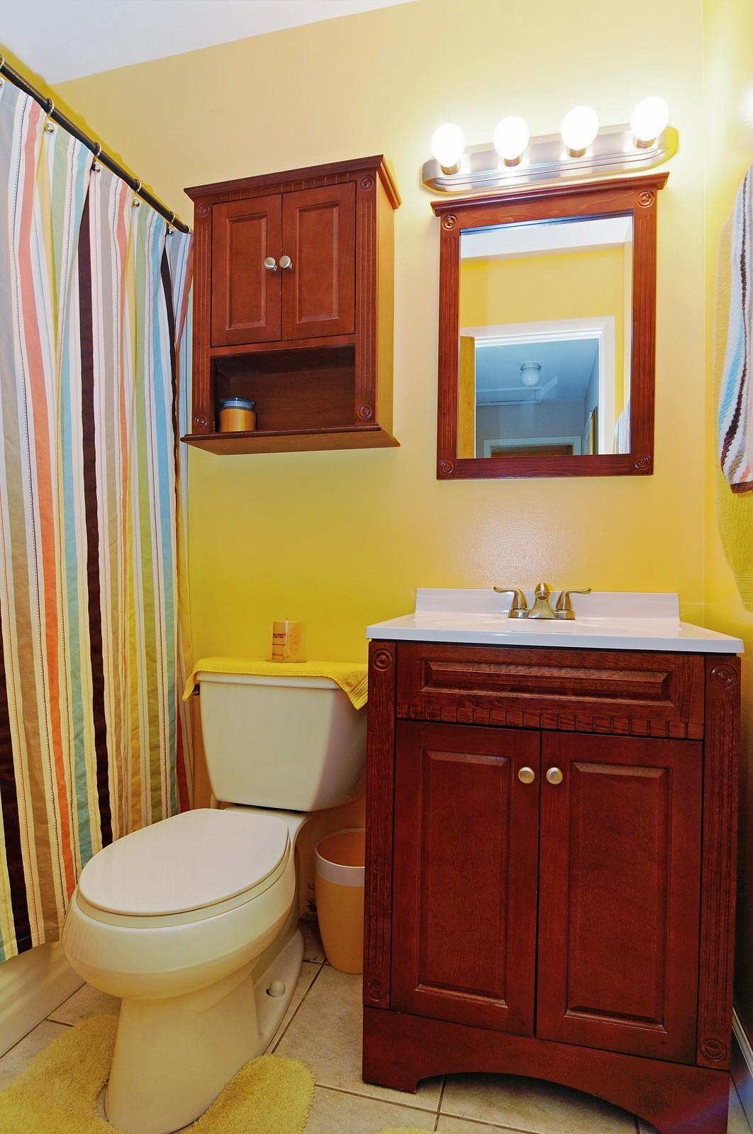 Real Estate Photography - 813 Sunnyside, Thorton, IL, 60430 - Bathroom