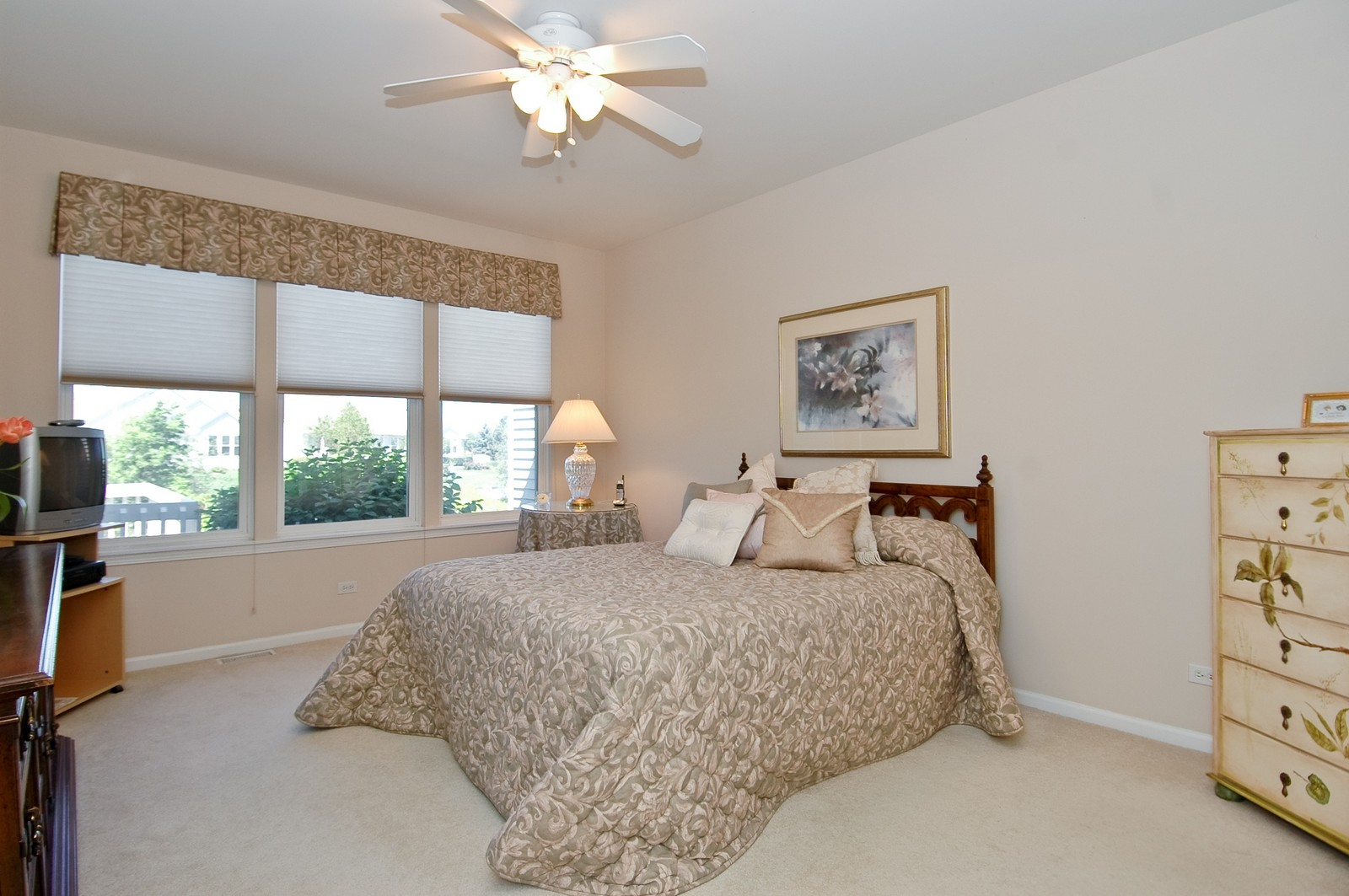 Real Estate Photography - 28 Twickenham, Algonquin, IL, 60102 - Master Bedroom