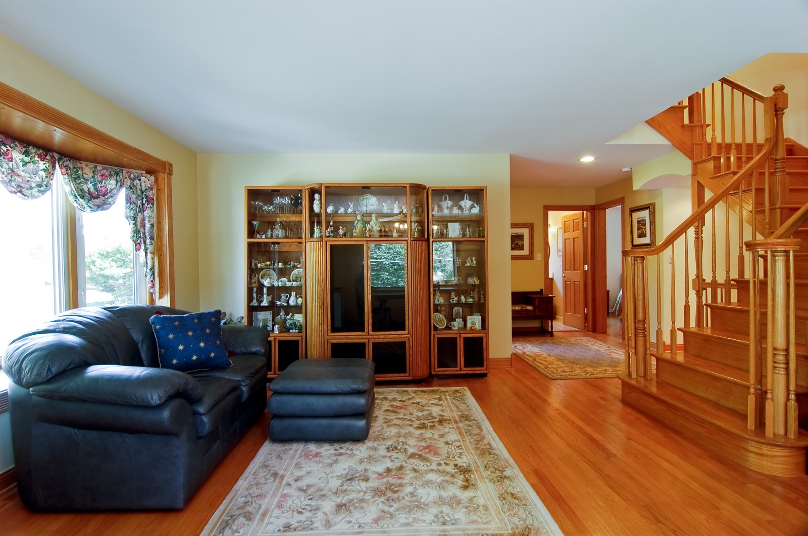Real Estate Photography - 835 Hill, Glen Ellyn, IL, 60137 - Living Room