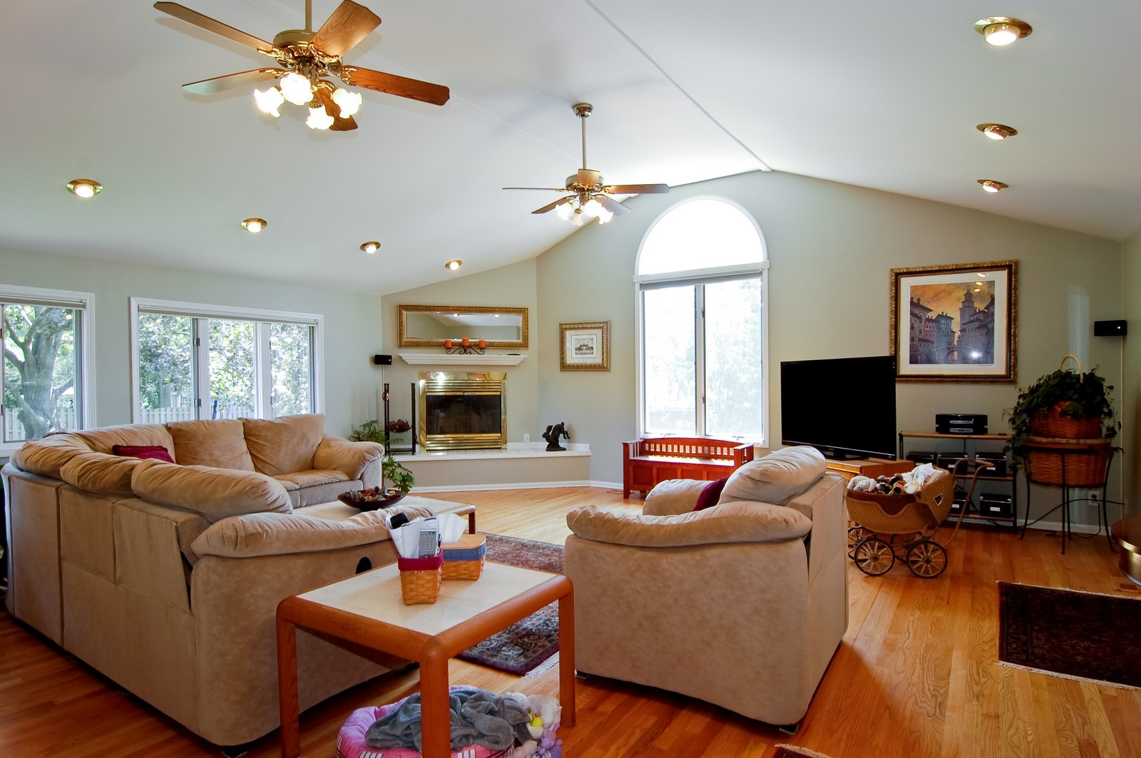 Real Estate Photography - 835 Hill, Glen Ellyn, IL, 60137 - Family Room